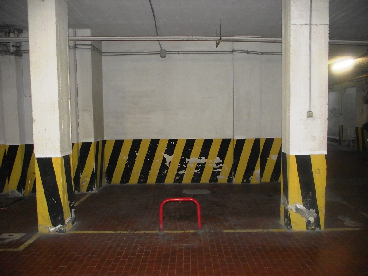 Box / Garage in affitto a Roma, 1 locali, zona Località: CortinadAmpezzo, prezzo € 120 | CambioCasa.it