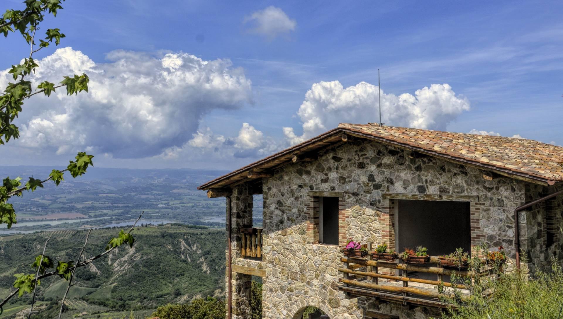 Rustico / Casale in vendita a Orvieto, 5 locali, prezzo € 285.000 | CambioCasa.it