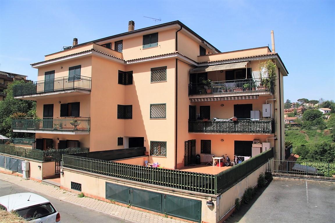 Appartamento in vendita a Morlupo, 3 locali, prezzo € 115.000 | CambioCasa.it