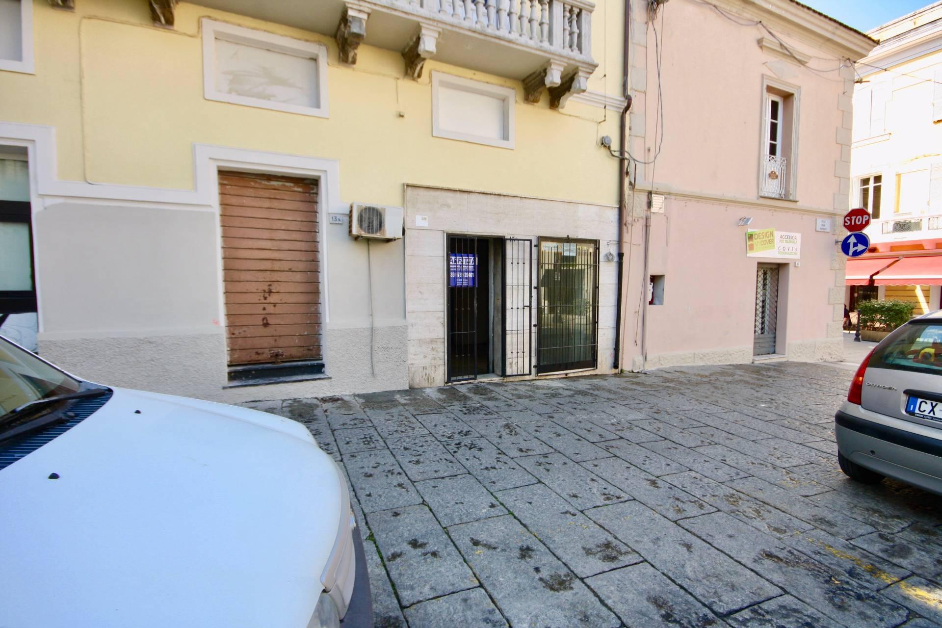Negozio / Locale in affitto a Olbia - Porto Rotondo, 9999 locali, zona Località: Olbiacittà, prezzo € 900 | CambioCasa.it