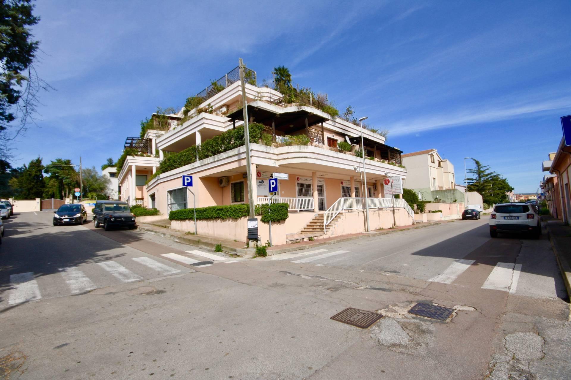 Negozio / Locale in affitto a Olbia - Porto Rotondo, 9999 locali, zona Località: Olbiacittà, prezzo € 2.500 | CambioCasa.it
