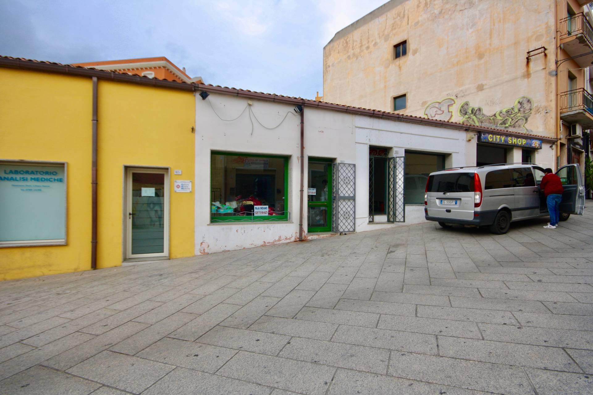 Negozio / Locale in affitto a Olbia - Porto Rotondo, 9999 locali, zona Località: Olbiacittà, prezzo € 600 | CambioCasa.it