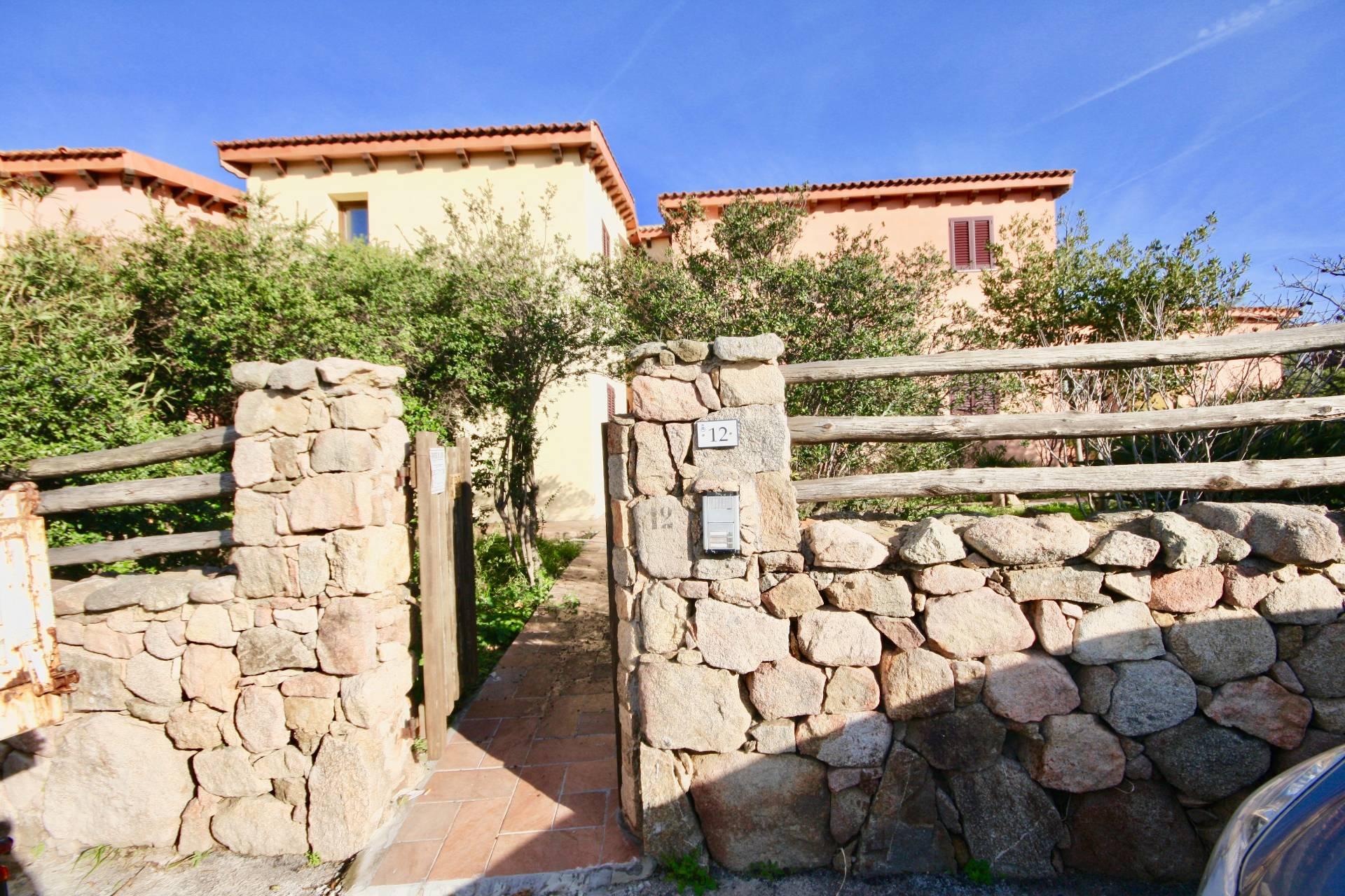 Villa a Schiera in vendita a Golfo Aranci, 4 locali, zona Località: BaiaCaddinas, prezzo € 320.000 | CambioCasa.it