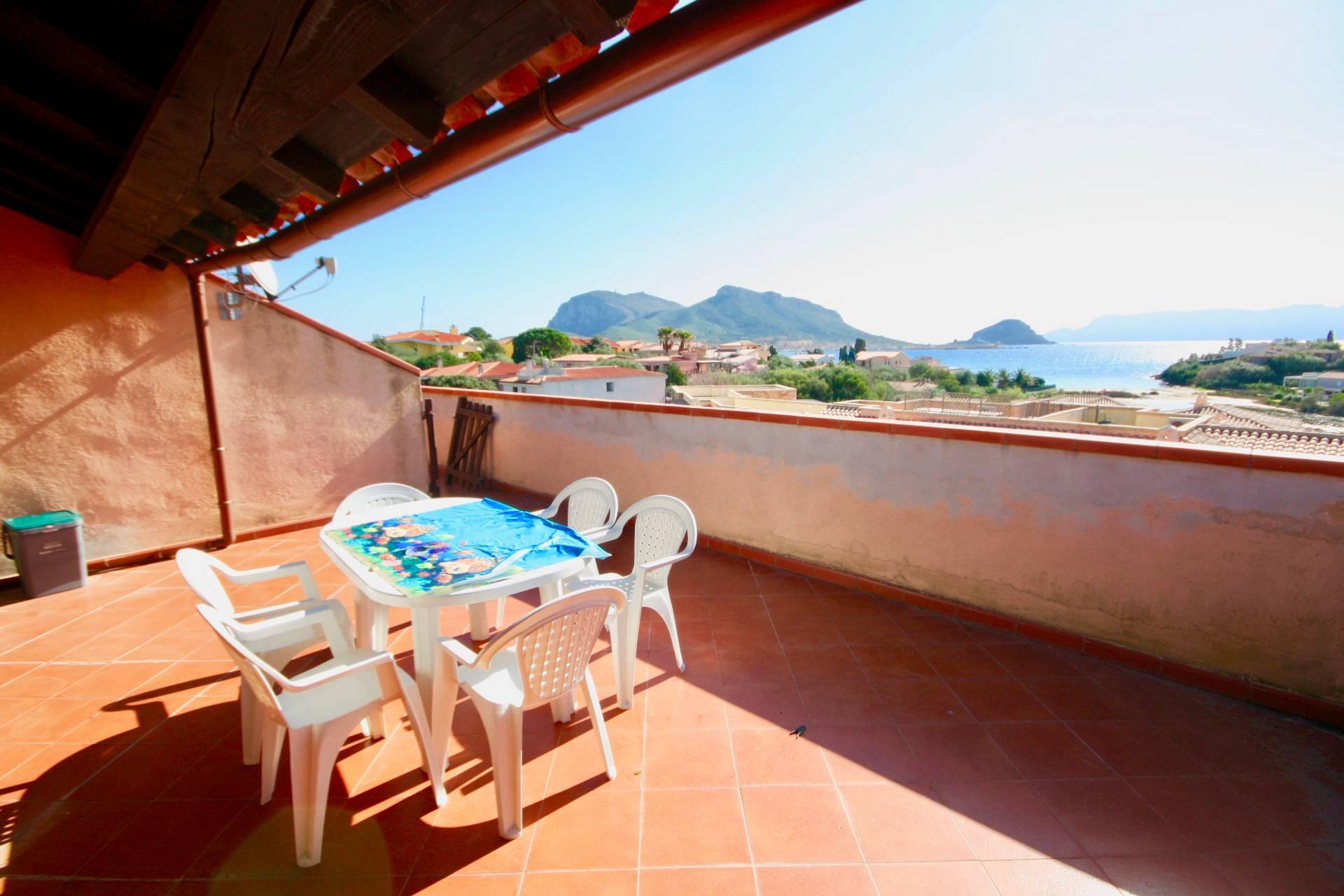 Appartamento in vendita a Golfo Aranci, 3 locali, prezzo € 140.000 | CambioCasa.it