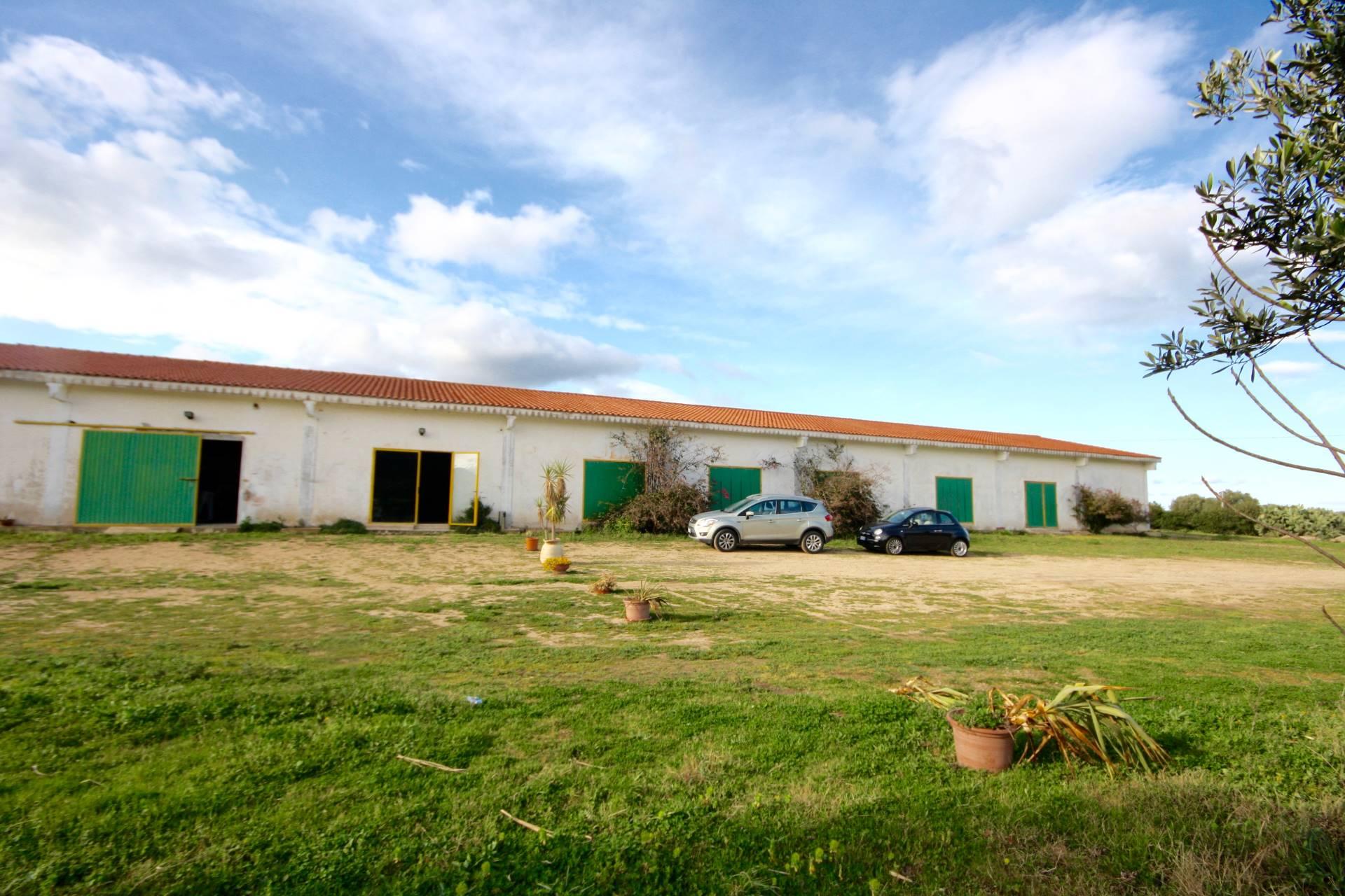 Capannone in Vendita a Olbia - Porto Rotondo