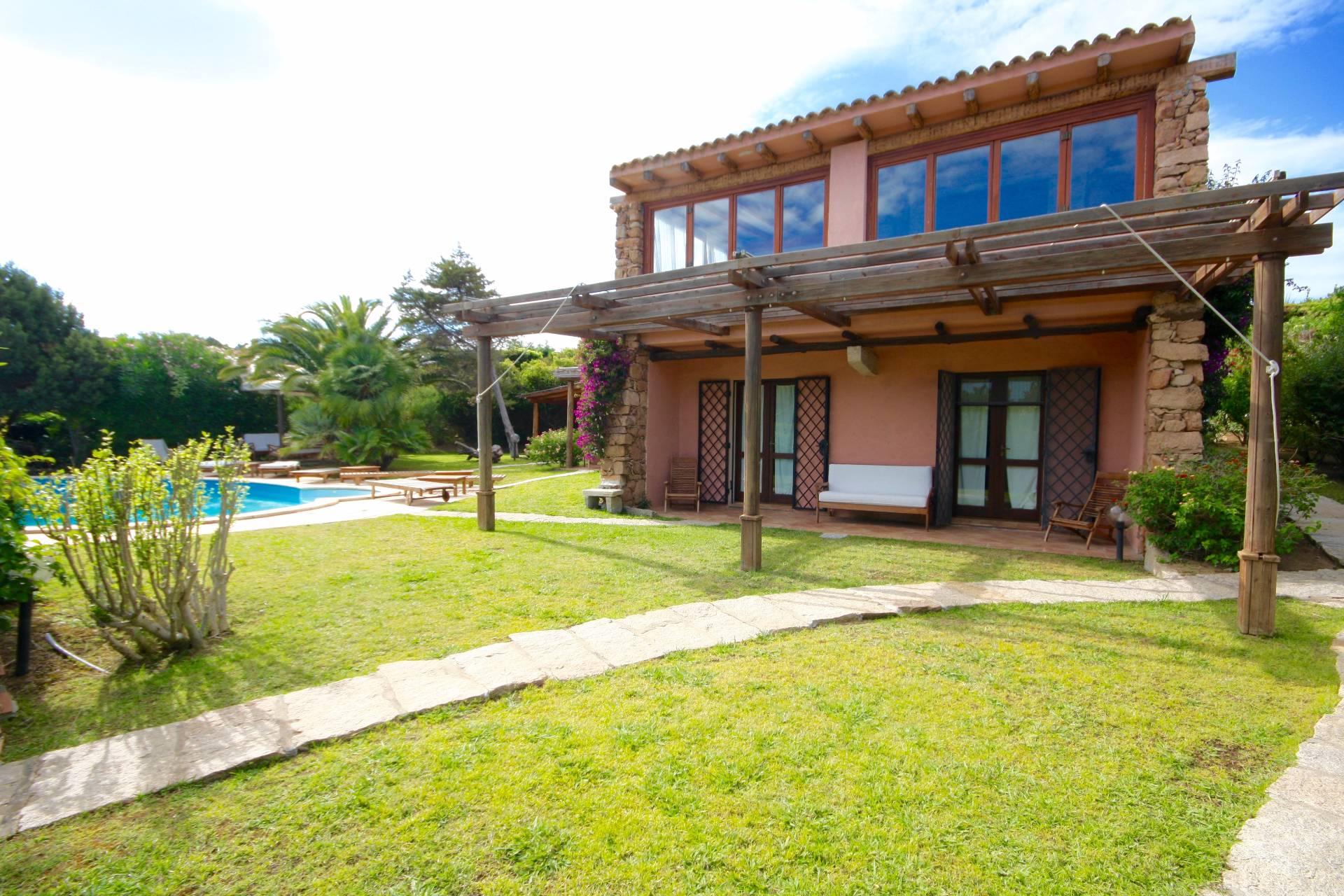 Villa in vendita a Arzachena - Porto Cervo, 9 locali, zona Località: PortoCervo-Marina, prezzo € 2.500.000 | CambioCasa.it