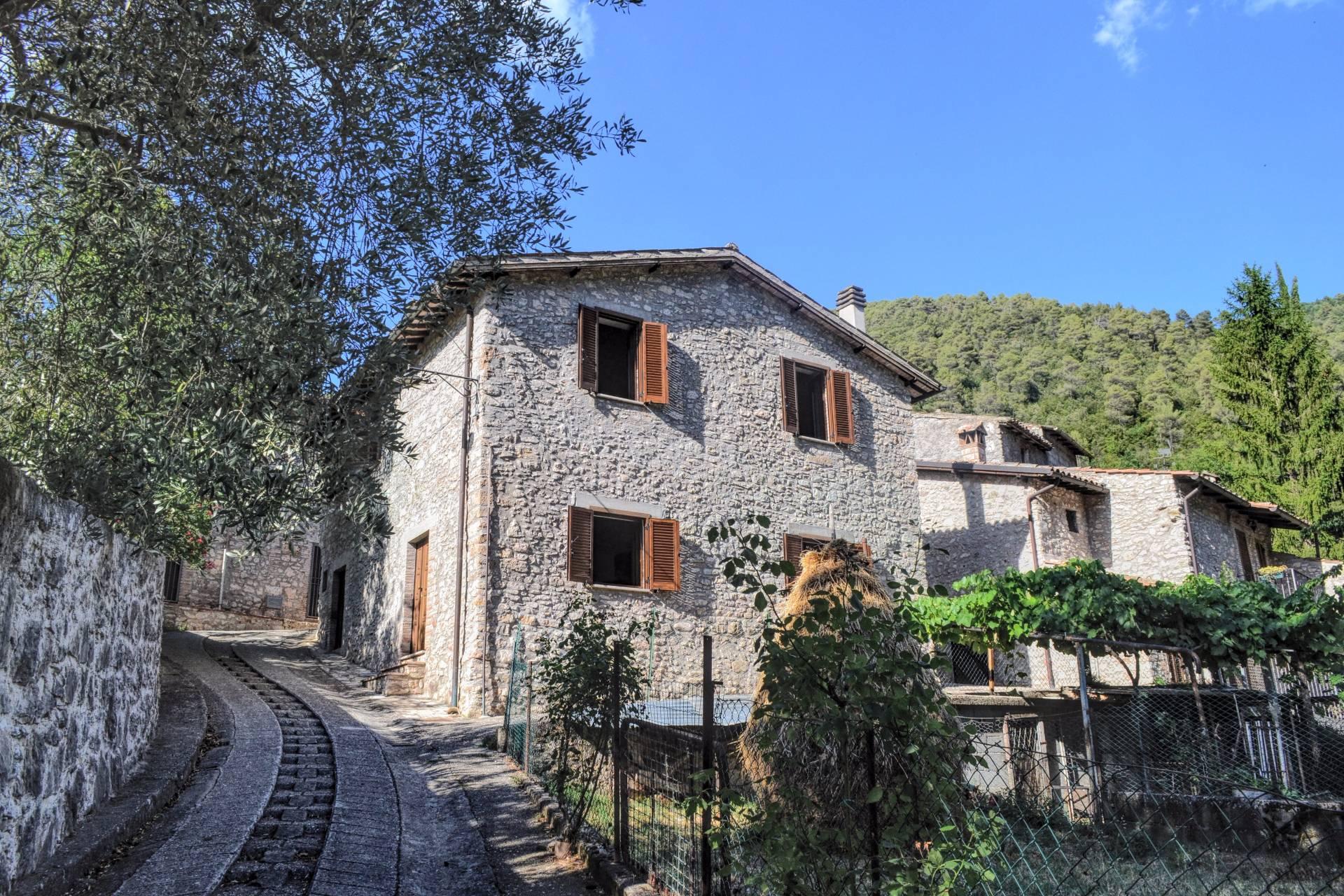 Soluzione Indipendente in vendita a Arrone, 5 locali, prezzo € 93.000 | CambioCasa.it