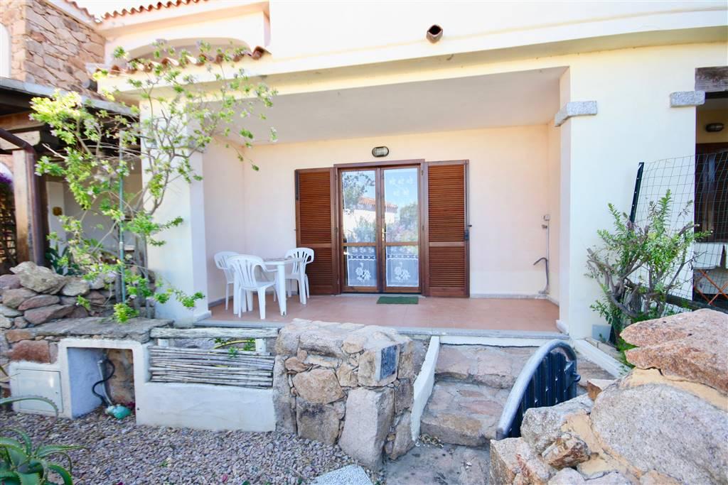 Appartamento in vendita a Loiri Porto San Paolo, 3 locali, zona Zona: Vaccileddi, prezzo € 112.000 | CambioCasa.it
