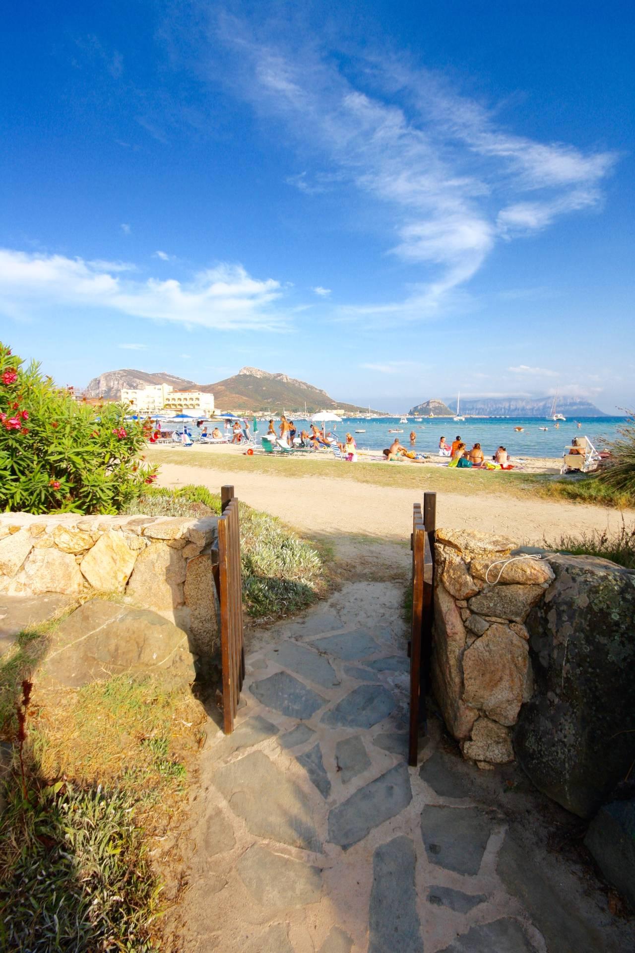 Appartamento in vendita a Golfo Aranci, 3 locali, zona Località: PAESE, prezzo € 280.000 | CambioCasa.it