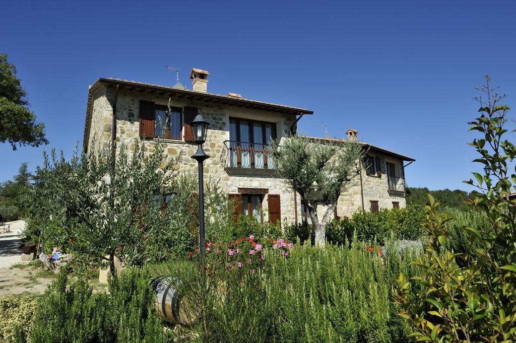 Rustico / Casale in Vendita a Collazzone