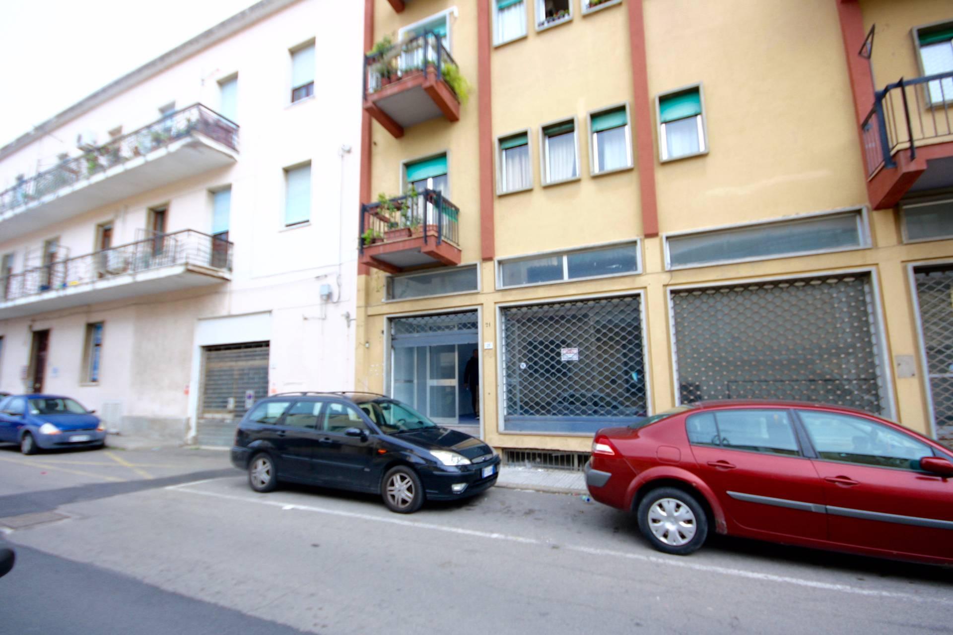Negozio / Locale in affitto a Olbia - Porto Rotondo, 9999 locali, zona Località: Olbiacittà, prezzo € 1.300 | CambioCasa.it