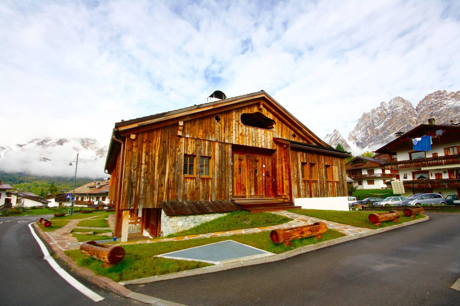 Attico / Mansarda in Vendita a Cortina d'Ampezzo