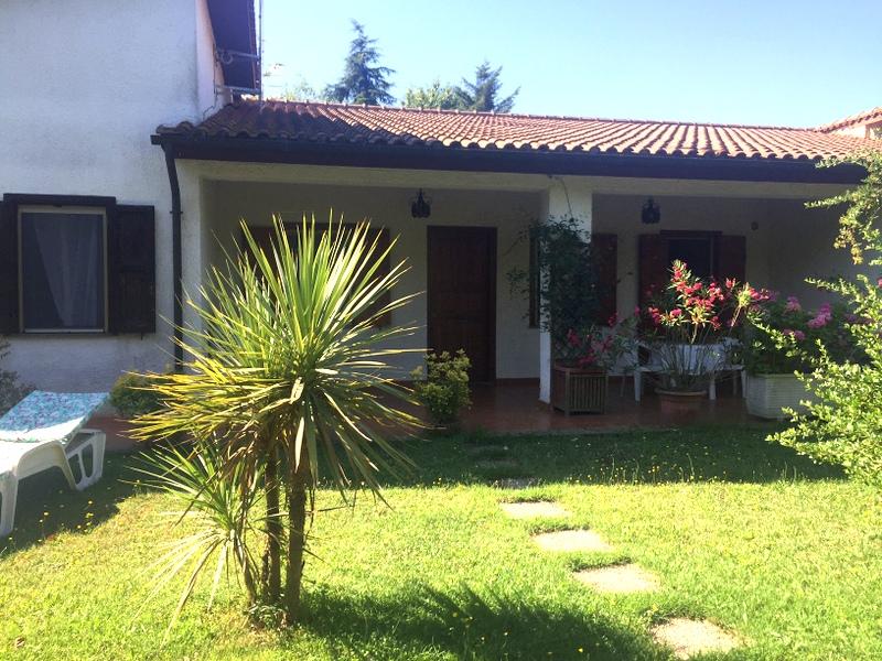 Villa in vendita a Vetralla, 6 locali, zona Zona: Cinelli, prezzo € 200.000 | CambioCasa.it