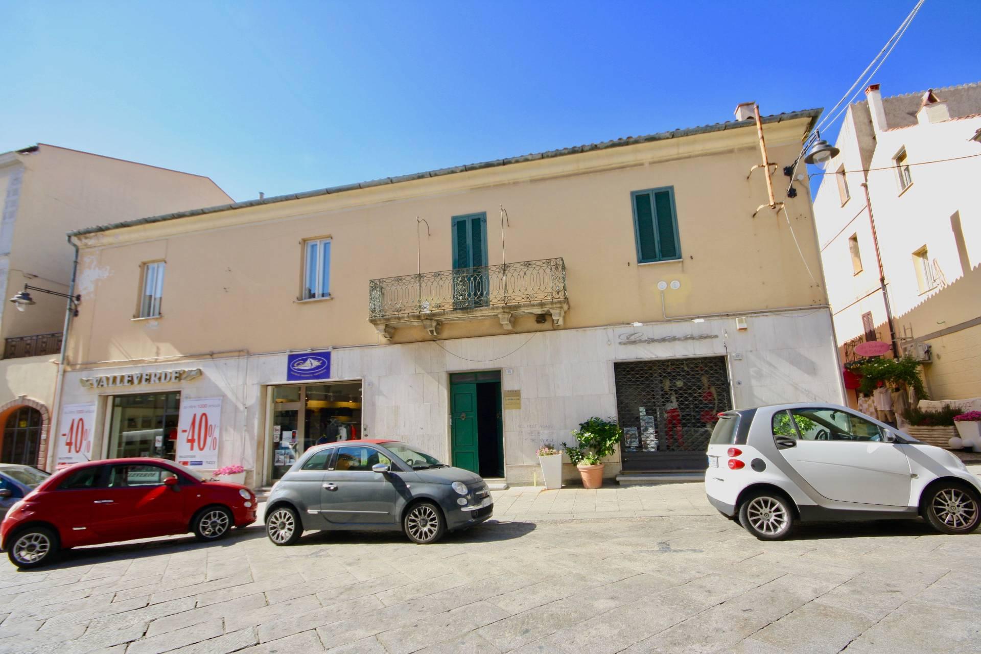 Appartamento in affitto a Olbia - Porto Rotondo, 6 locali, zona Località: OLBIA, prezzo € 1.500 | CambioCasa.it