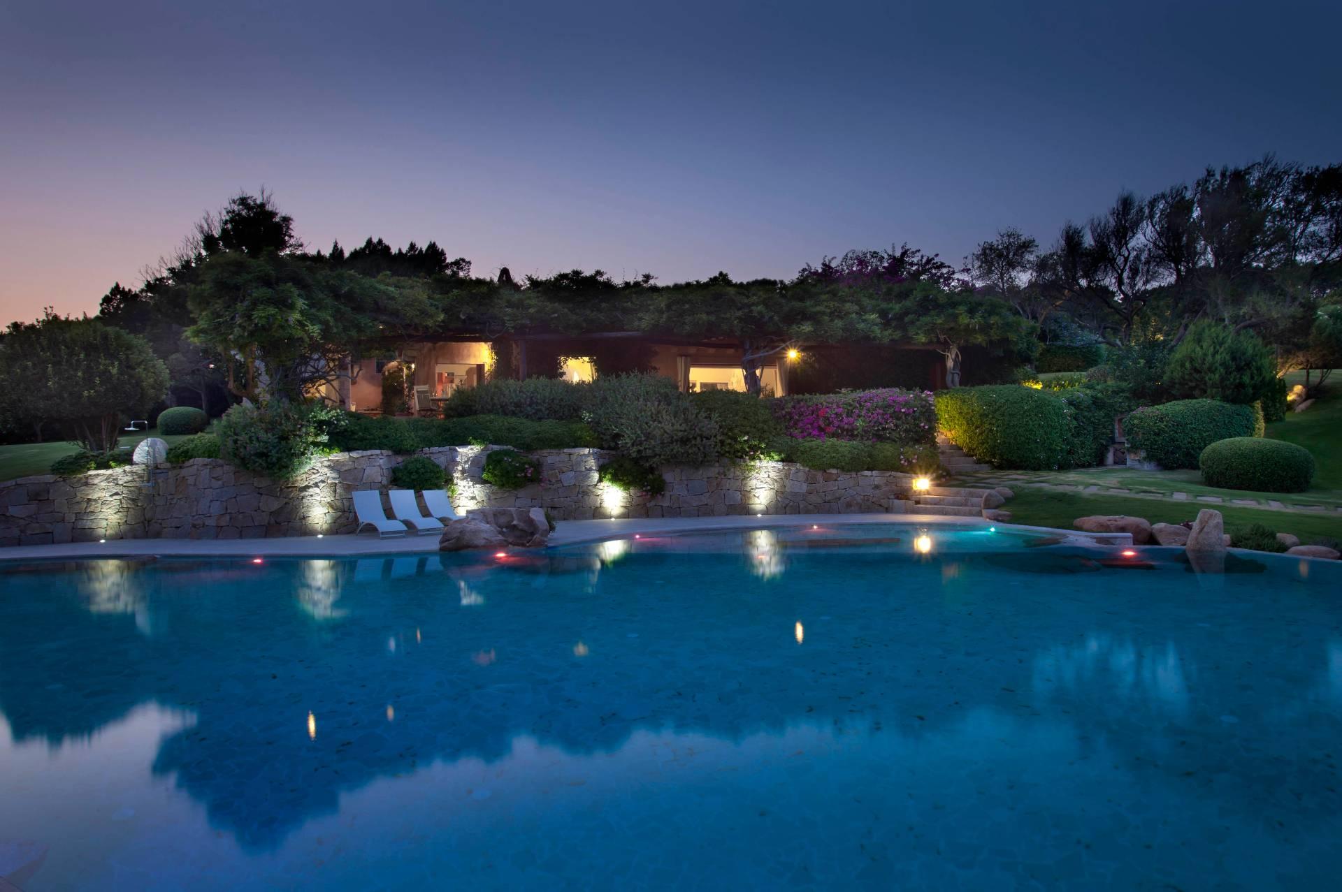 Villa in vendita a Arzachena - Porto Cervo, 7 locali, zona Località: PortoCervo, prezzo € 12.000.000 | CambioCasa.it
