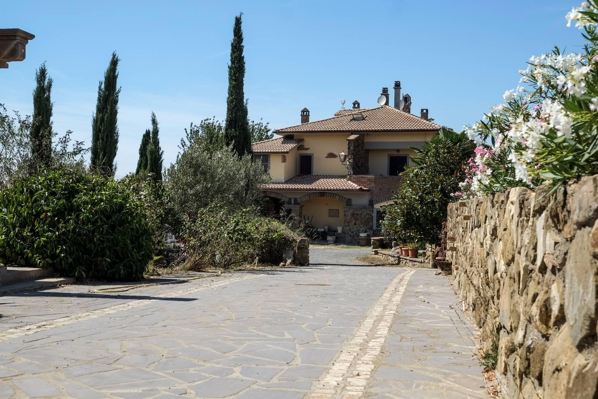 Villa in vendita a Tarquinia, 6 locali, prezzo € 595.000   CambioCasa.it