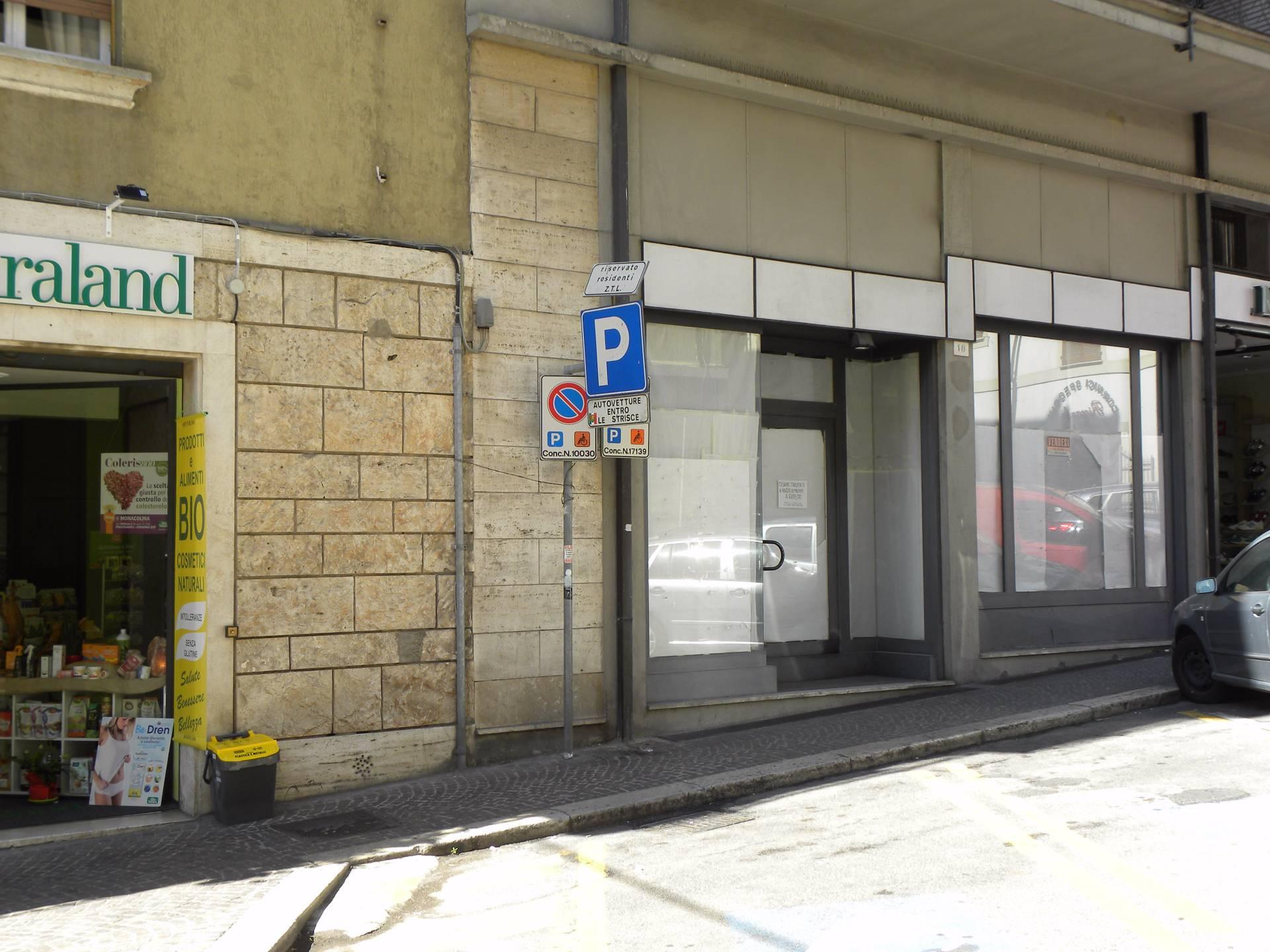 Negozio / Locale in vendita a Terni, 9999 locali, zona Zona: Centro, prezzo € 150.000 | CambioCasa.it