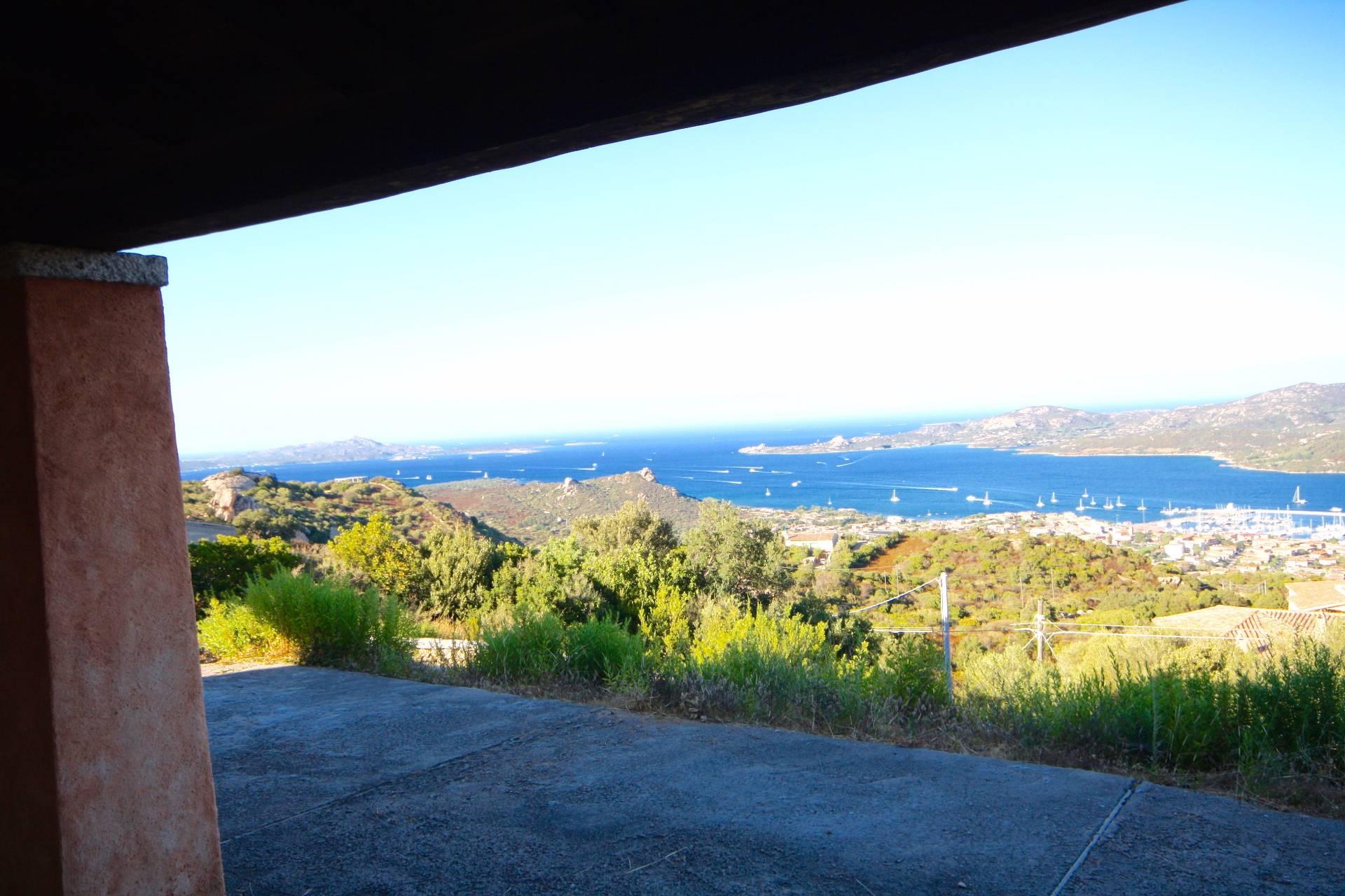 Villa in vendita a Arzachena - Porto Cervo, 10 locali, zona Zona: Cannigione, prezzo € 1.500.000 | CambioCasa.it