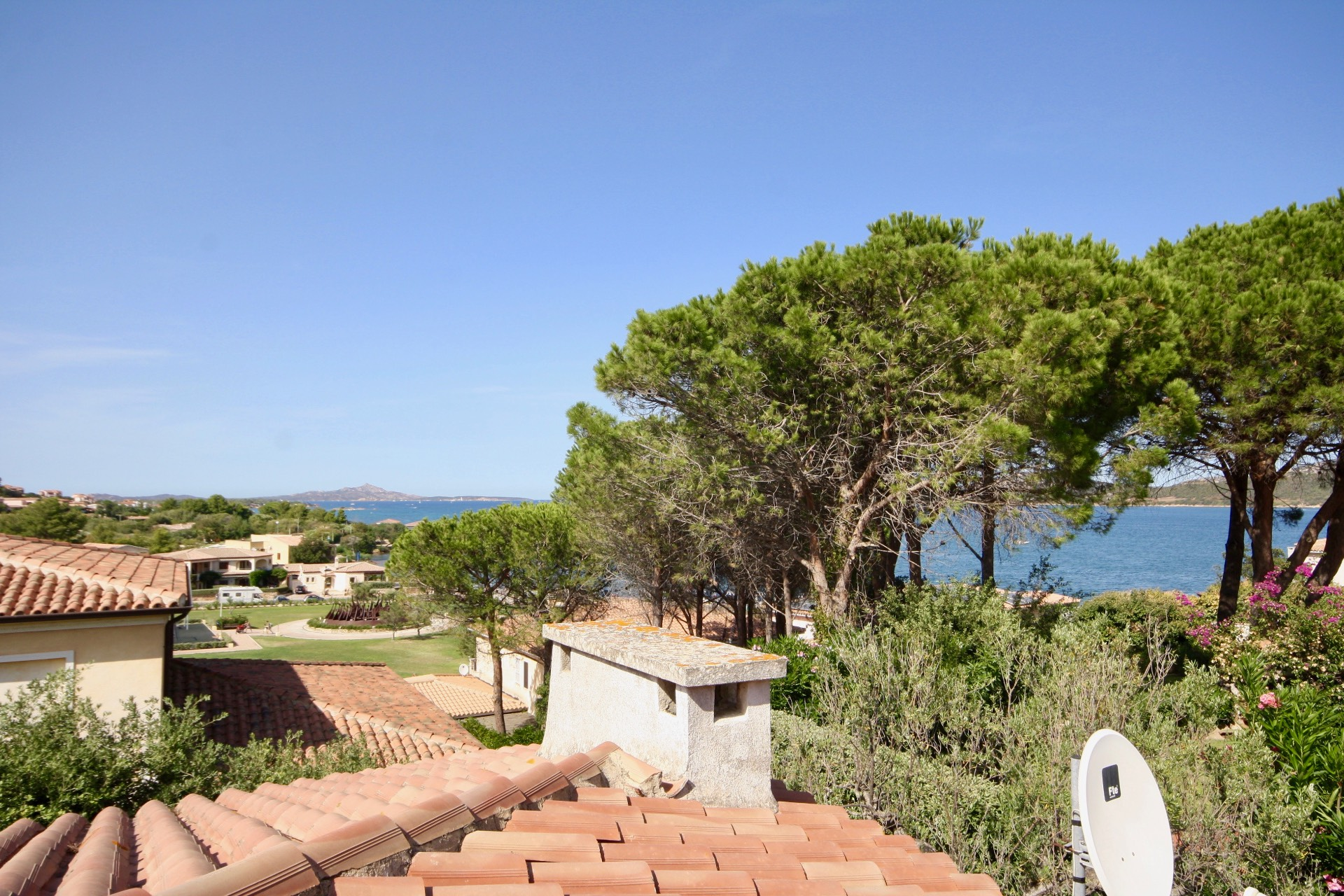 Villa in vendita a Arzachena - Porto Cervo, 8 locali, zona Zona: Cannigione, prezzo € 800.000 | CambioCasa.it
