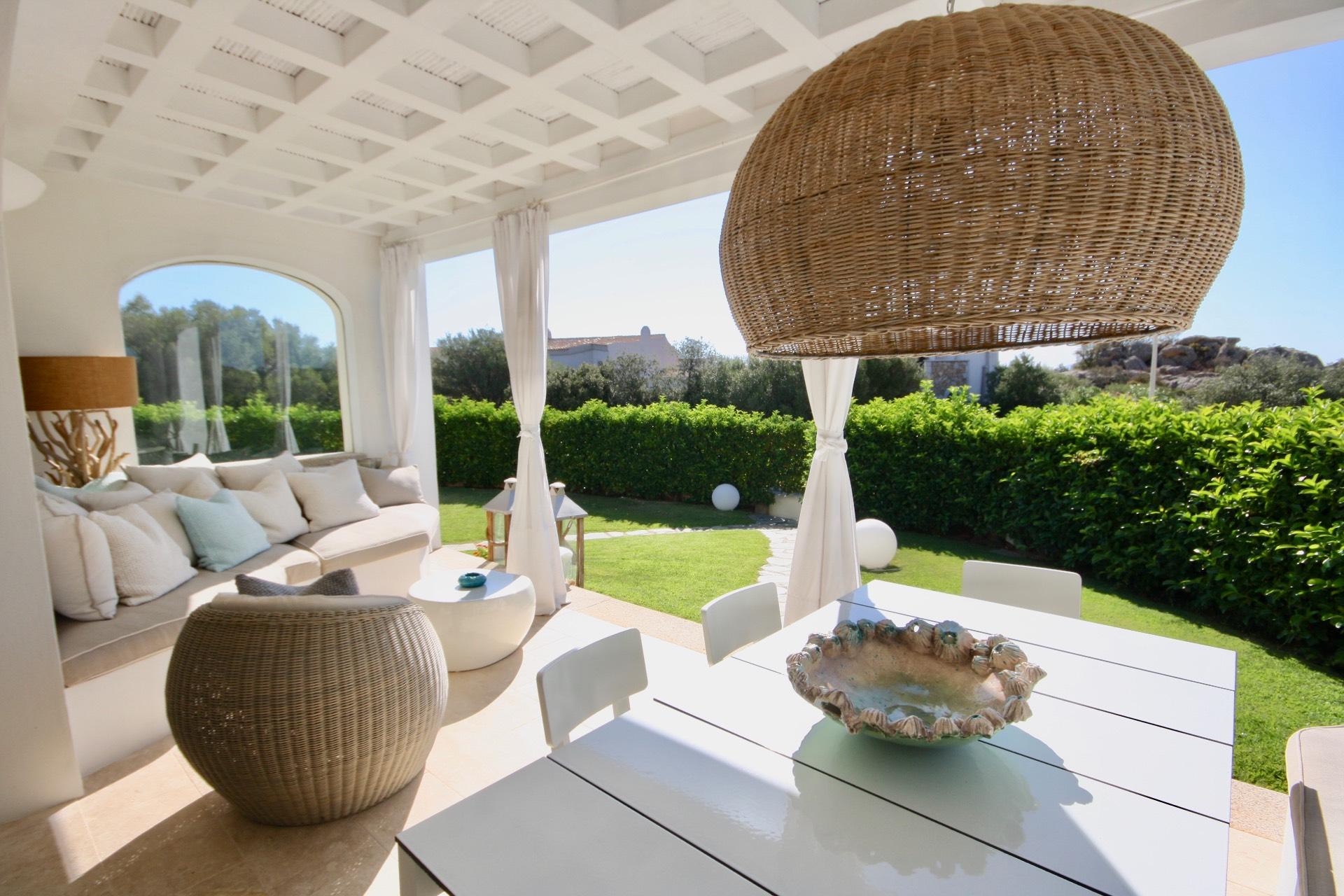 Appartamento in vendita a Arzachena - Porto Cervo, 4 locali, zona Zona: Abbiadori, prezzo € 780.000 | CambioCasa.it