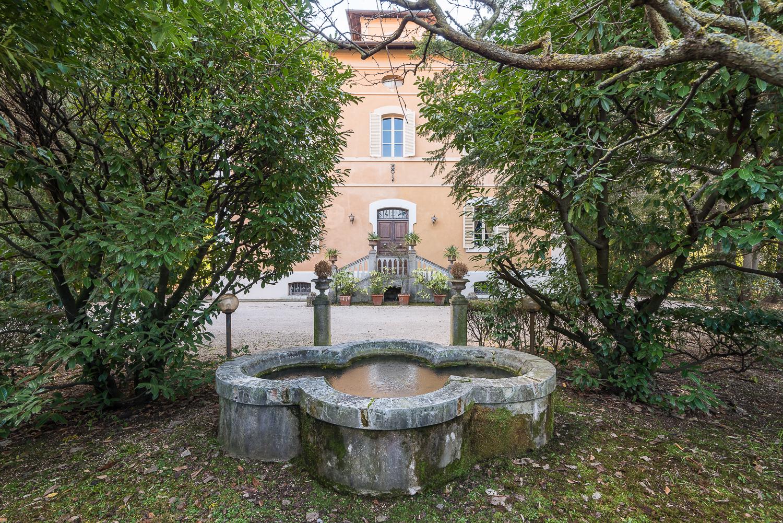 Villa in vendita a Foligno, 18 locali, prezzo € 1.000.000 | CambioCasa.it