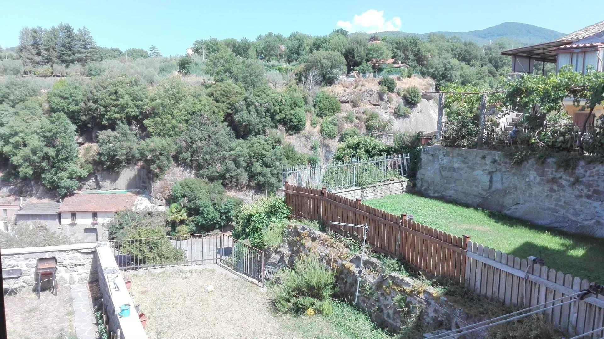 Appartamento in vendita a Viterbo, 4 locali, zona Zona: Bagnaia, prezzo € 89.000   CambioCasa.it