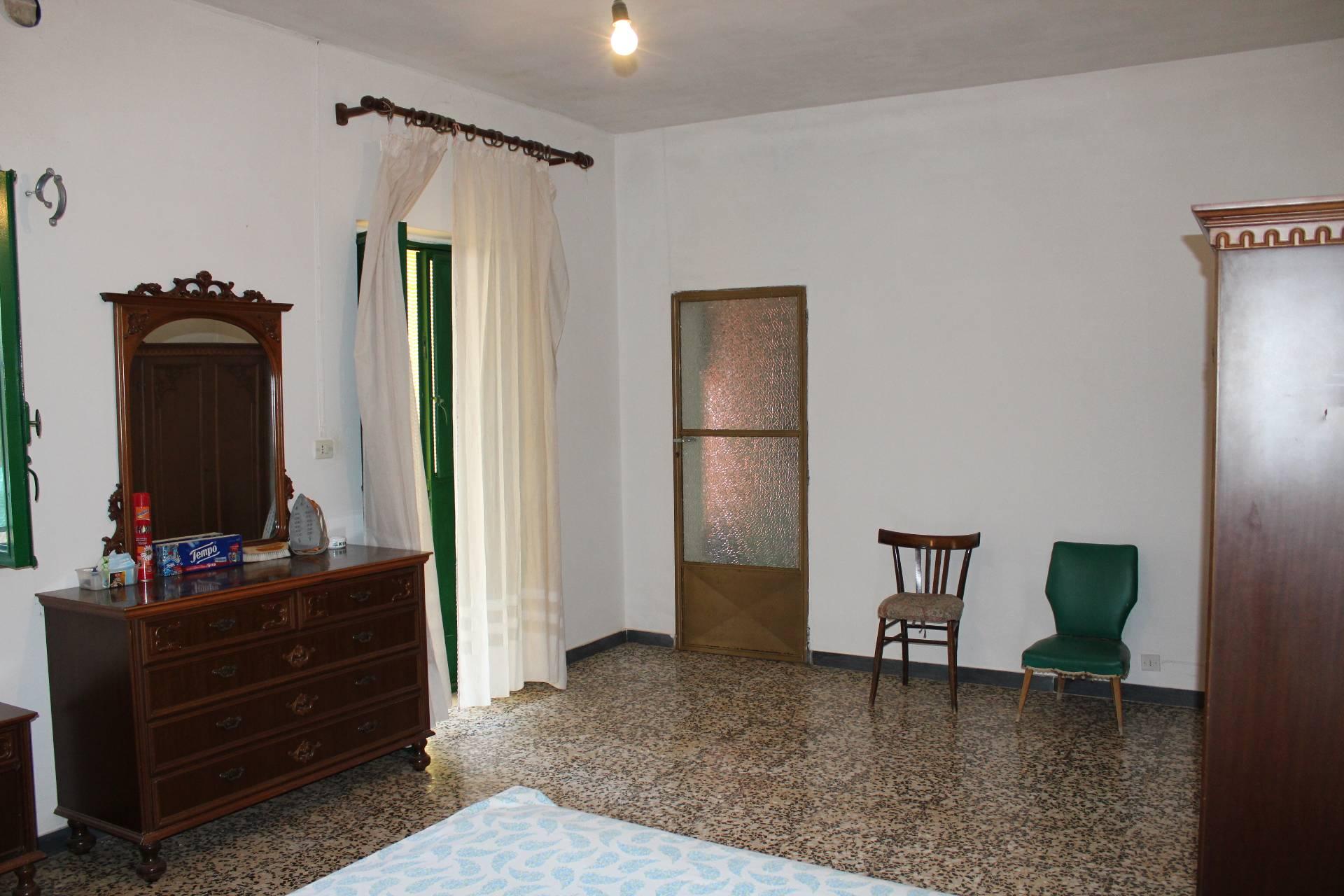 Rustico / Casale in vendita a Ostuni, 5 locali, prezzo € 110.000 | CambioCasa.it