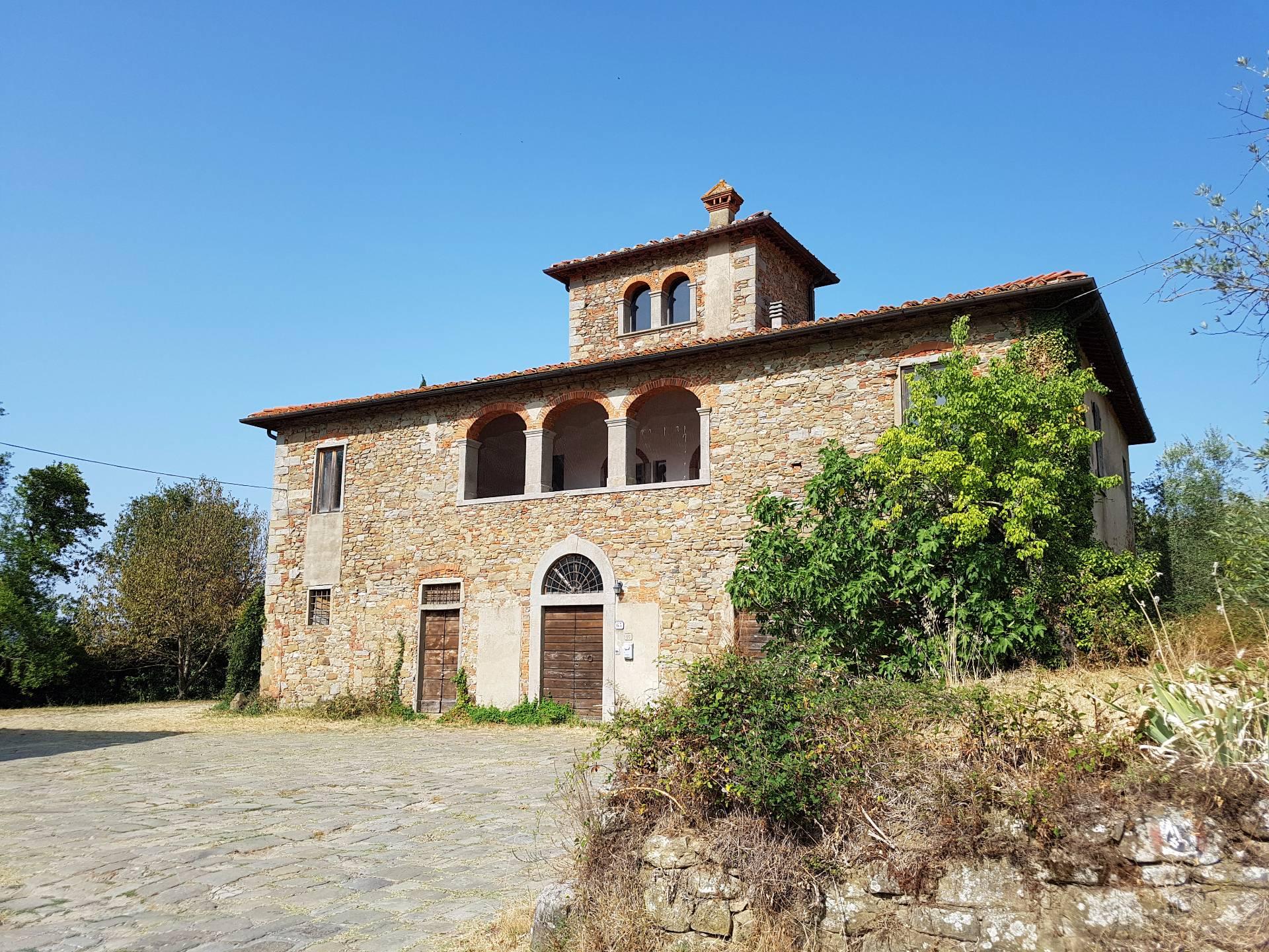 Rustico / Casale in vendita a Reggello, 19 locali, prezzo € 595.000 | CambioCasa.it