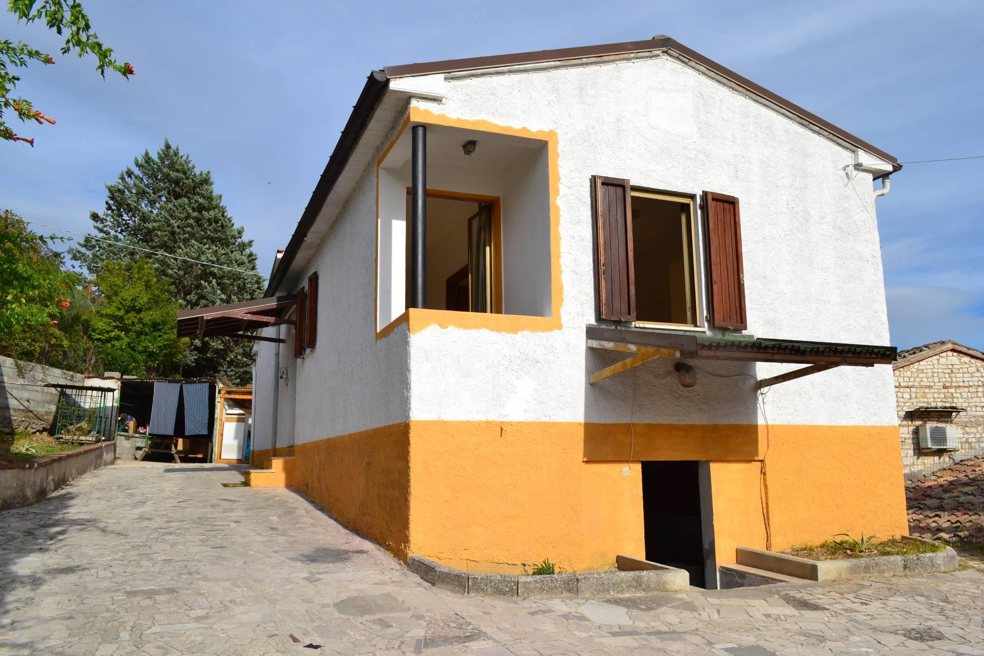 Soluzione Indipendente in vendita a Genga, 3 locali, prezzo € 55.000 | CambioCasa.it