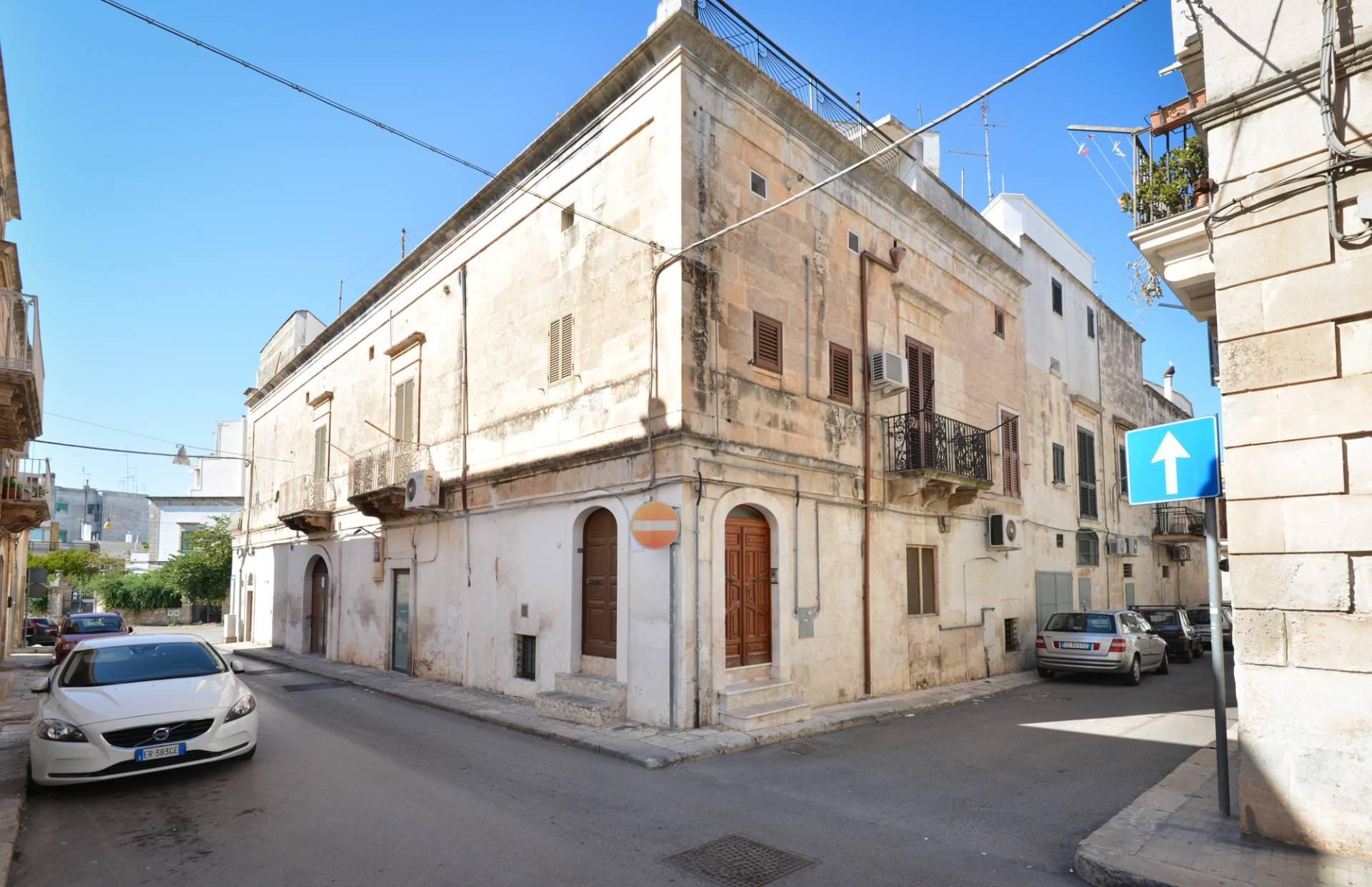 Appartamento in vendita a Ostuni, 4 locali, prezzo € 115.000 | CambioCasa.it