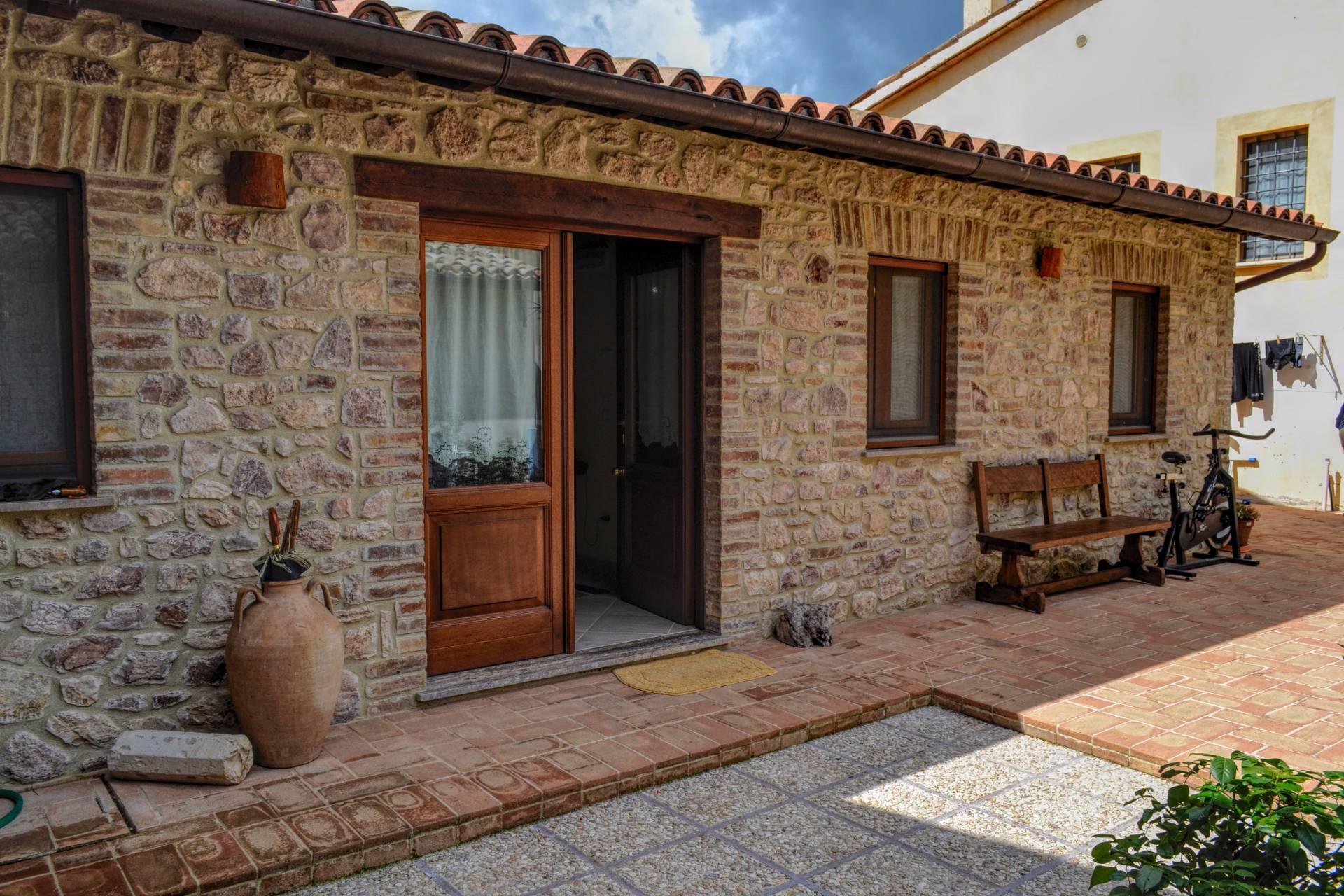 Appartamento in vendita a Giano dell'Umbria, 2 locali, prezzo € 60.000   CambioCasa.it