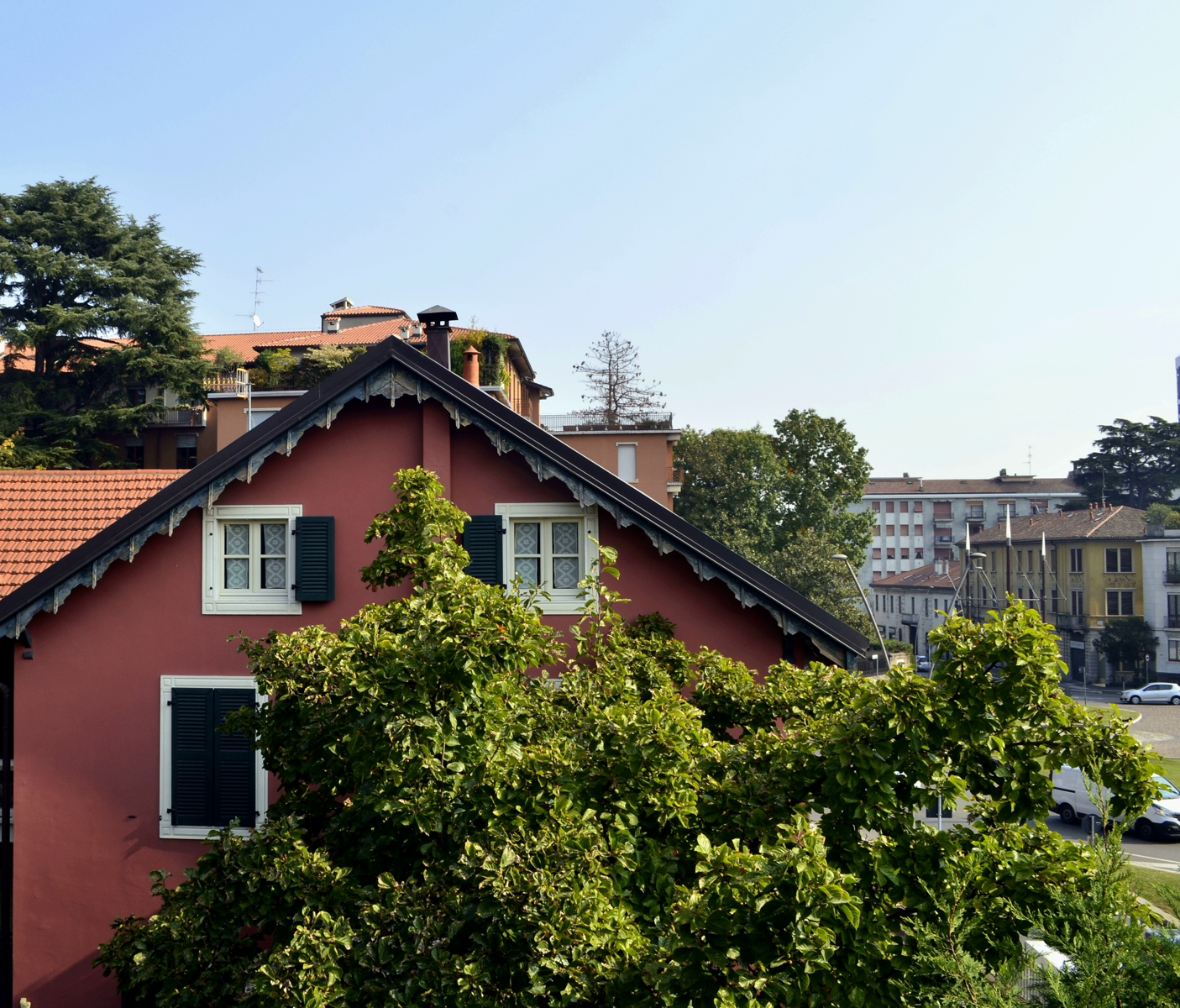 Villa in vendita a Legnano, 6 locali, zona Zona: Centro, prezzo € 390.000 | CambioCasa.it