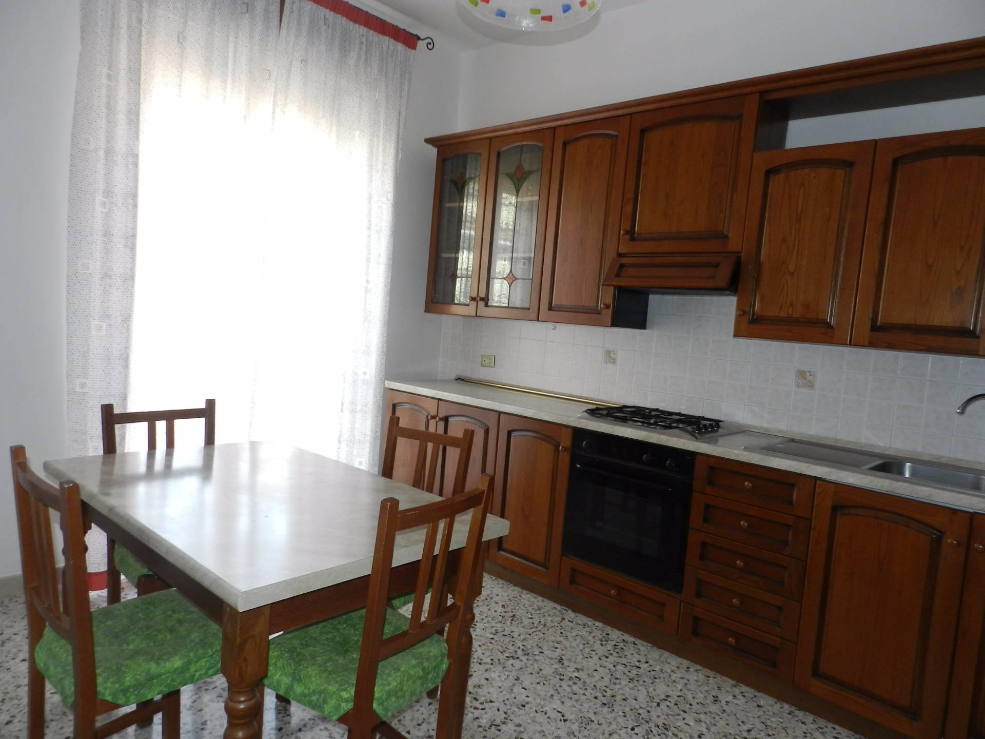 Appartamento in affitto a Tarquinia, 4 locali, prezzo € 500 | CambioCasa.it