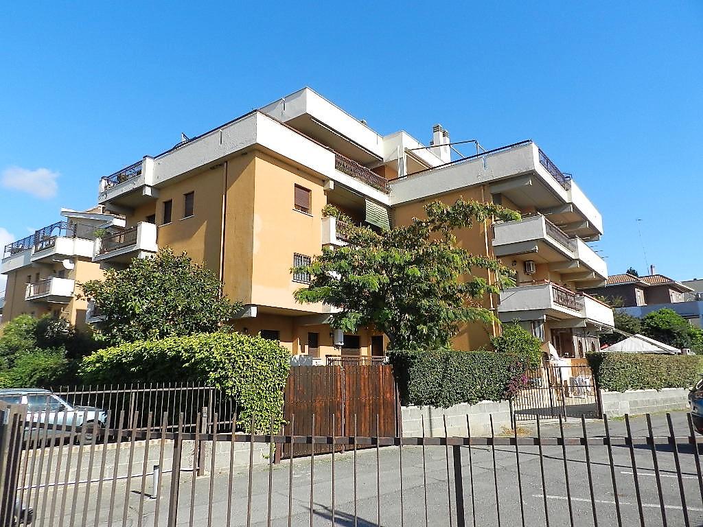 Appartamento in vendita a Santa Marinella, 2 locali, zona Località: Castelsecco, prezzo € 85.000 | CambioCasa.it