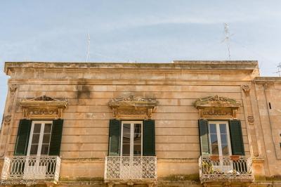 Palazzo / Stabile in affitto a Ostuni, 7 locali, prezzo € 650 | CambioCasa.it