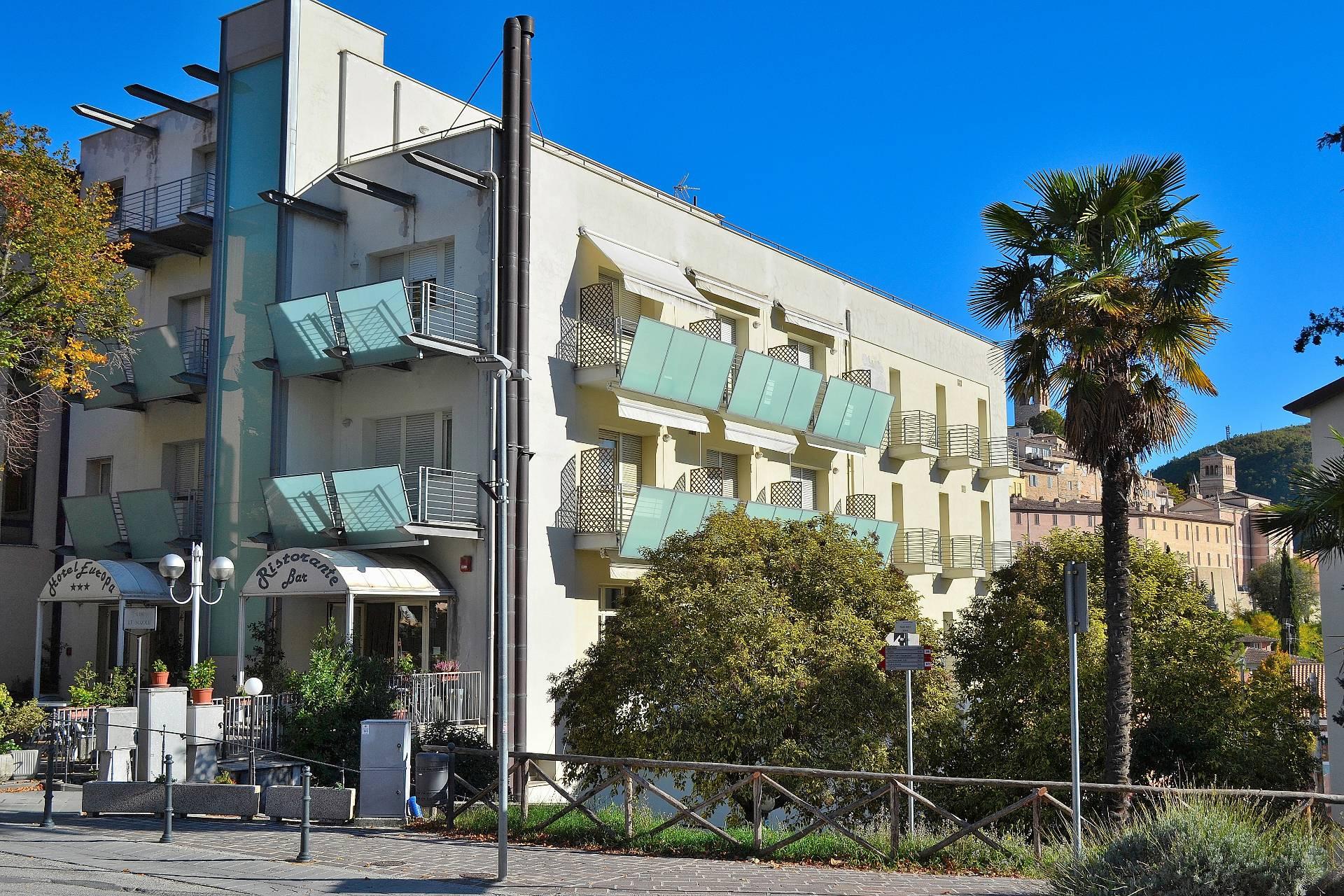 Palazzo / Stabile in Vendita a Nocera Umbra