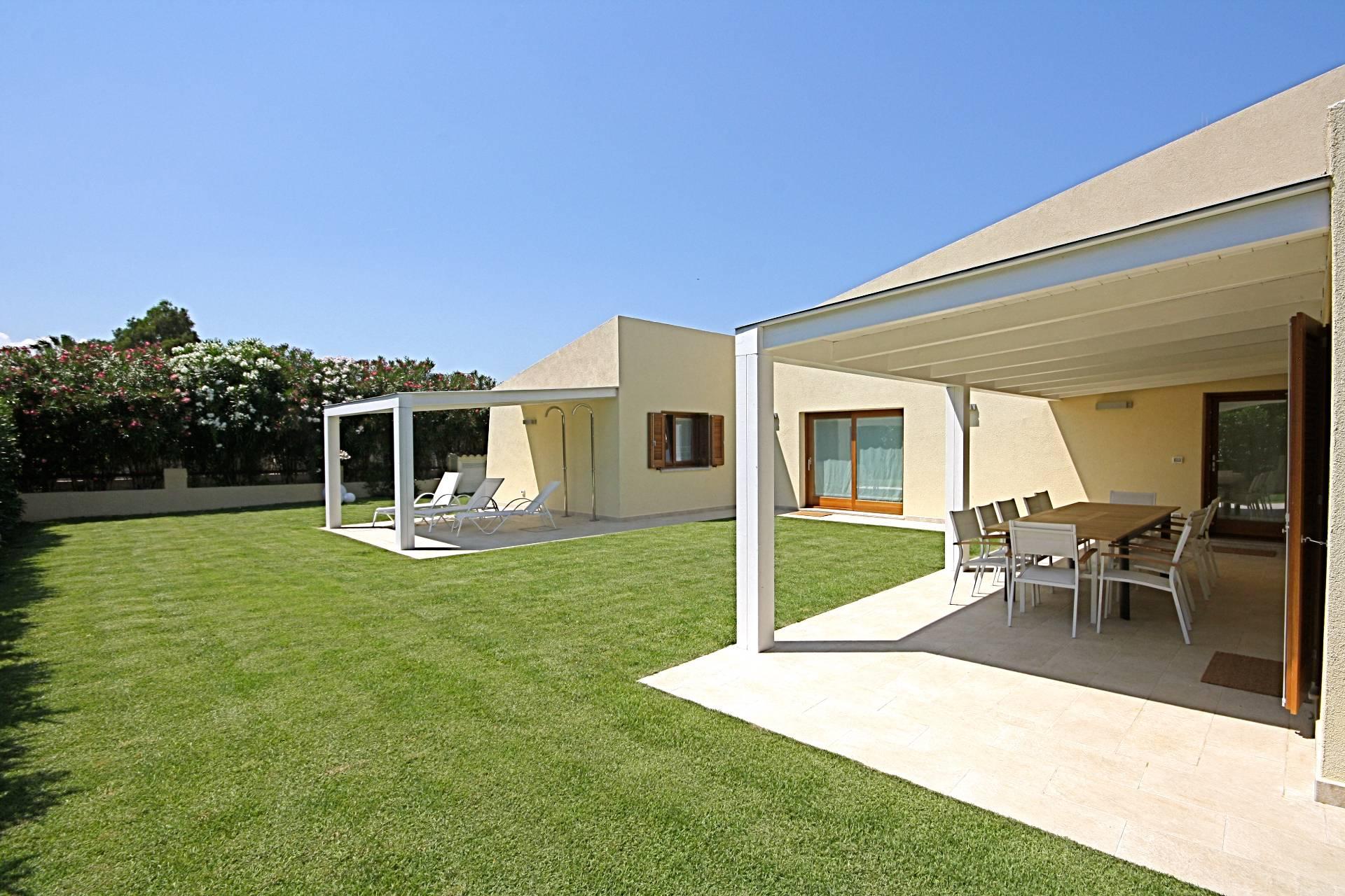 Villa in affitto a San Teodoro, 7 locali, Trattative riservate | CambioCasa.it