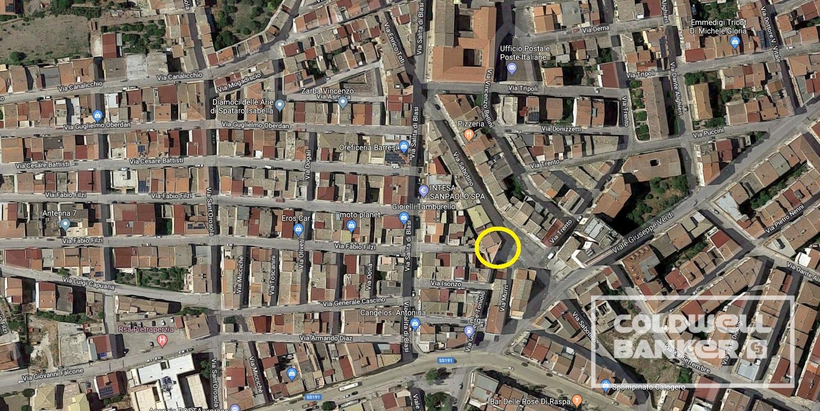 Palazzo / Stabile in vendita a Pietraperzia, 10 locali, prezzo € 350.000 | CambioCasa.it