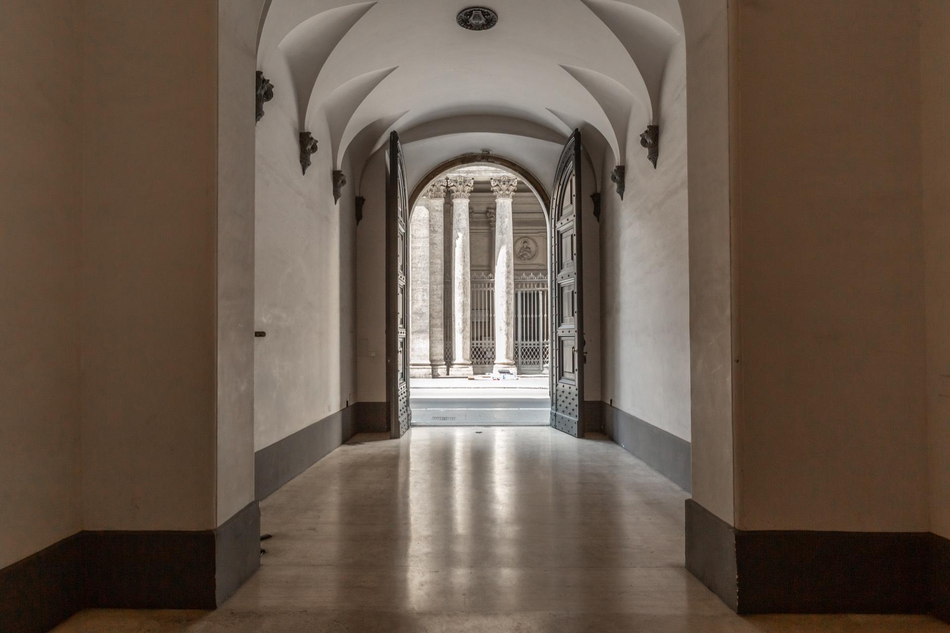 Appartamento in Vendita a Roma: 5 locali, 610 mq - Foto 2