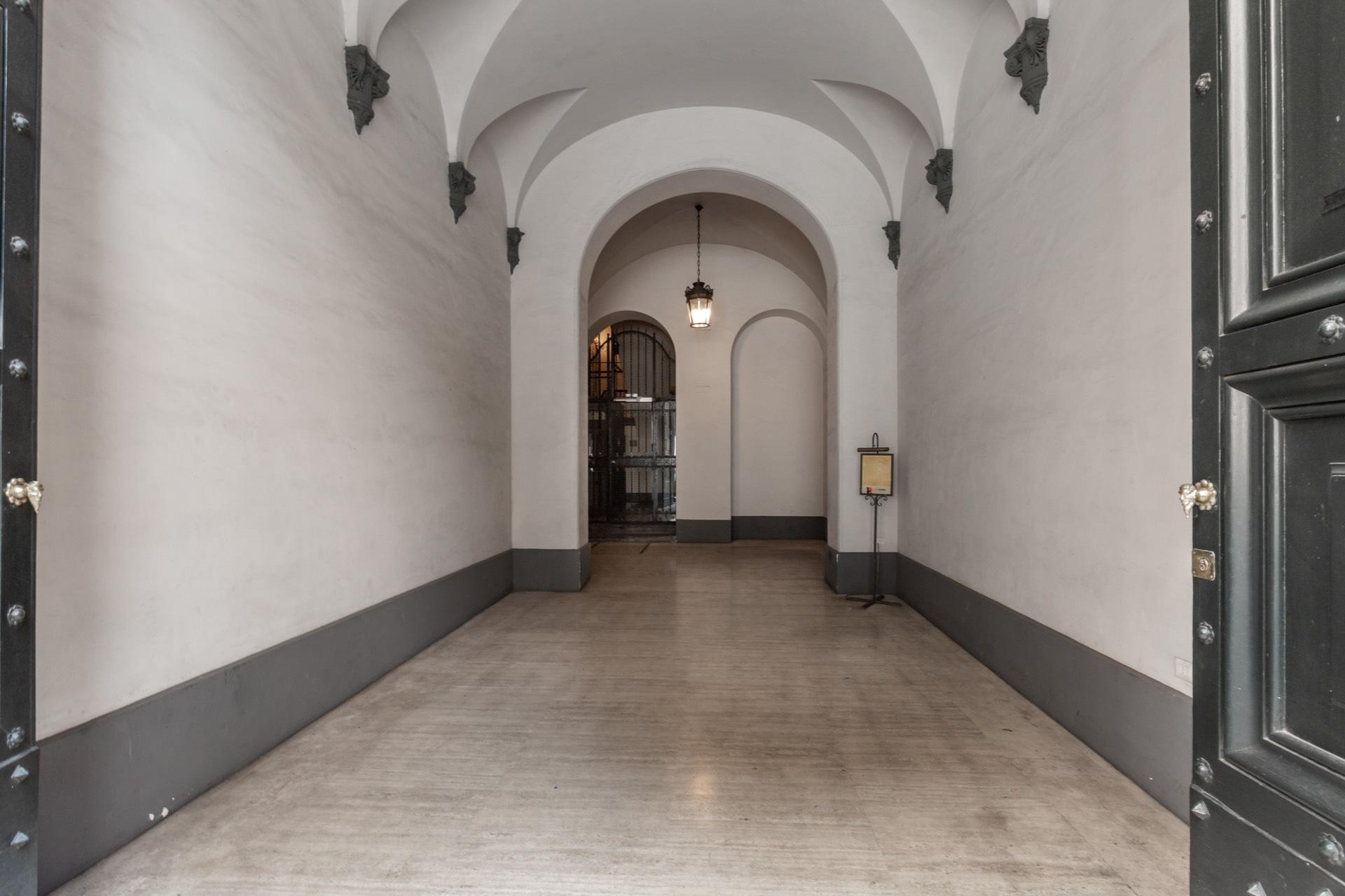 Appartamento in Vendita a Roma: 5 locali, 610 mq - Foto 13