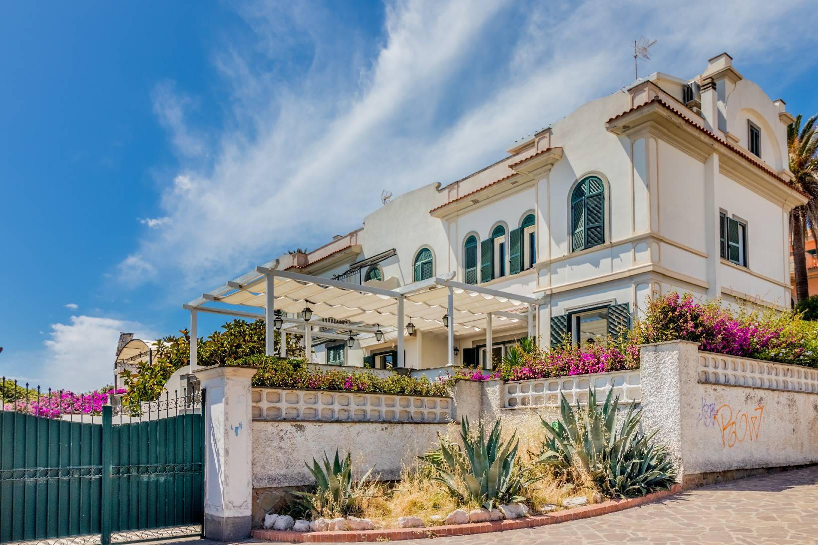 Villa in Vendita a Santa Marinella via ulpiano
