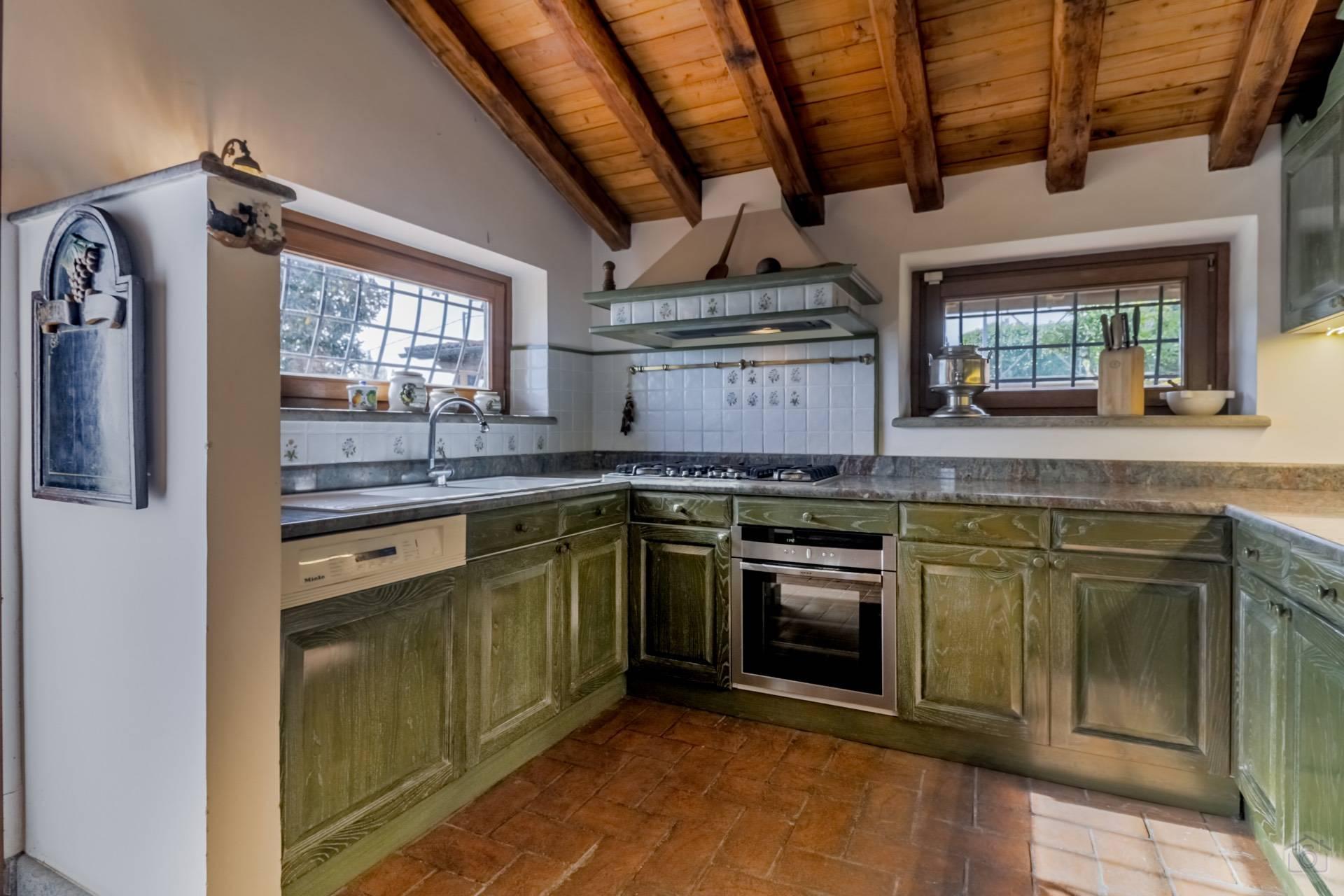 Villa in Vendita a Sacrofano: 5 locali, 180 mq - Foto 9