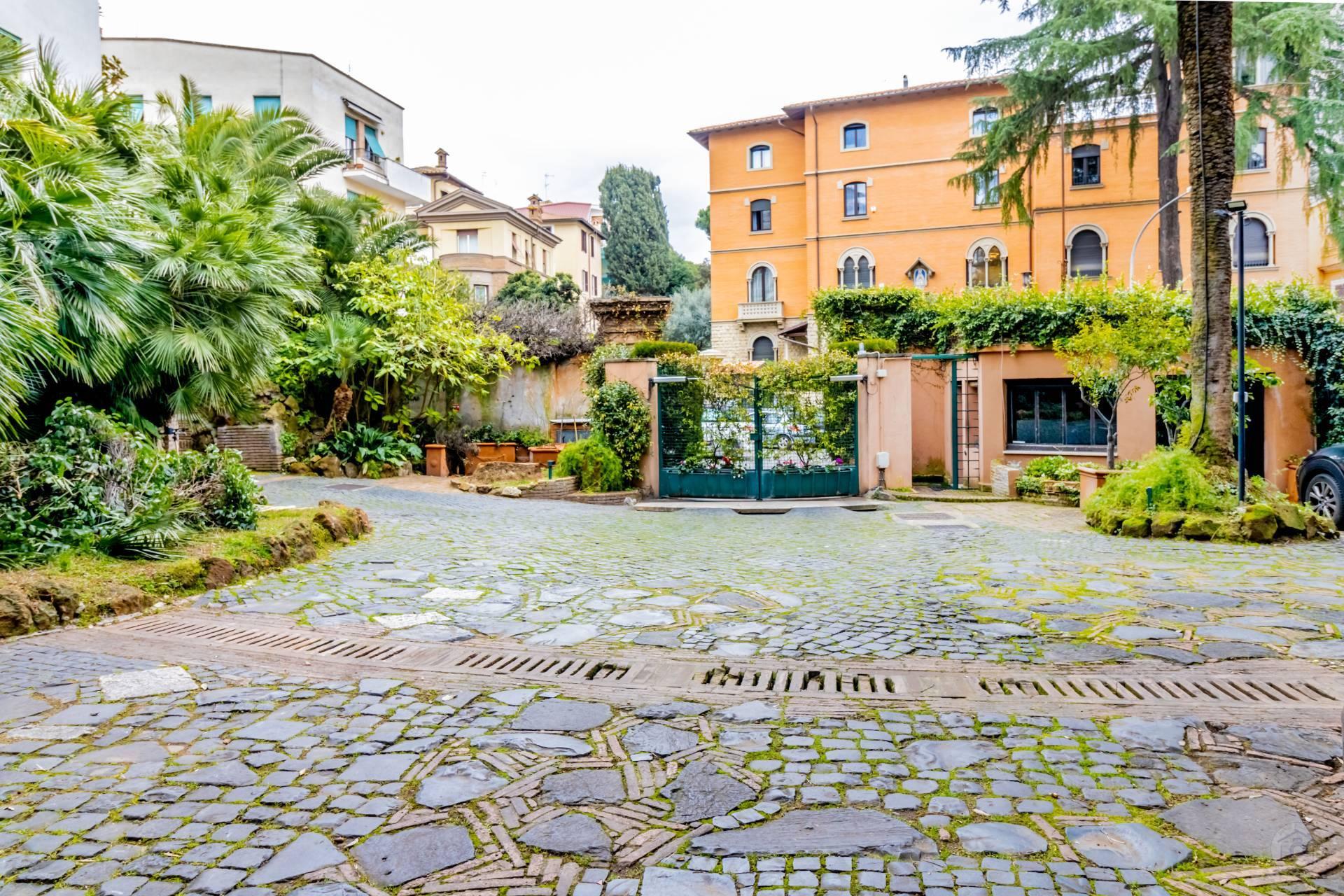 Appartamento in Vendita a Roma: 5 locali, 150 mq - Foto 2