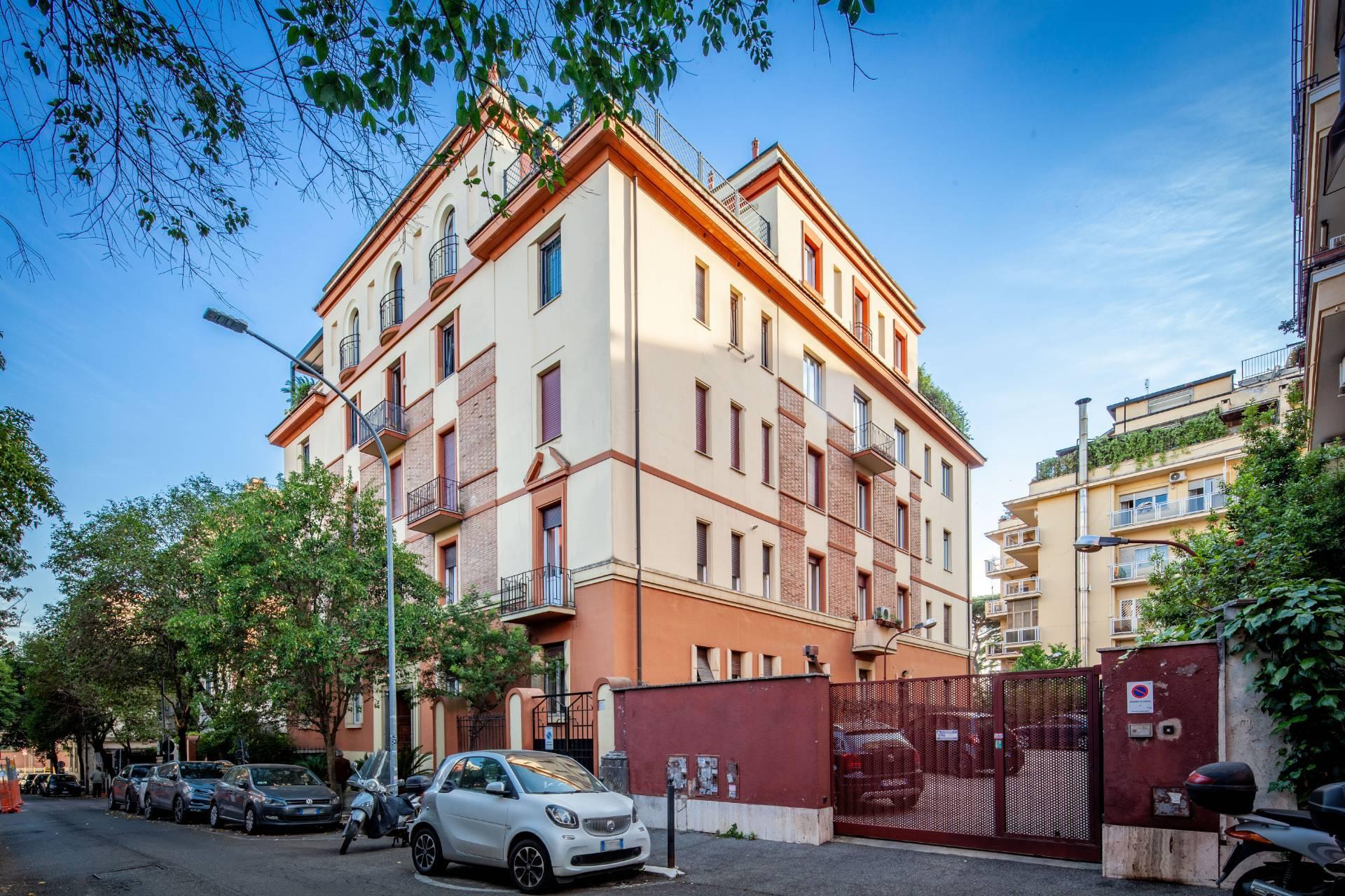 Appartamento in Vendita a Roma via di villa emiliani