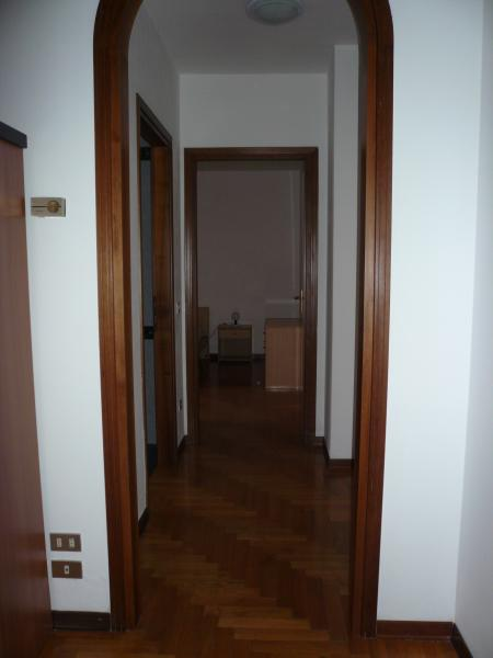 Appartamento in vendita a Carbonera, 4 locali, zona Zona: Pezzan, prezzo € 65.000   CambioCasa.it