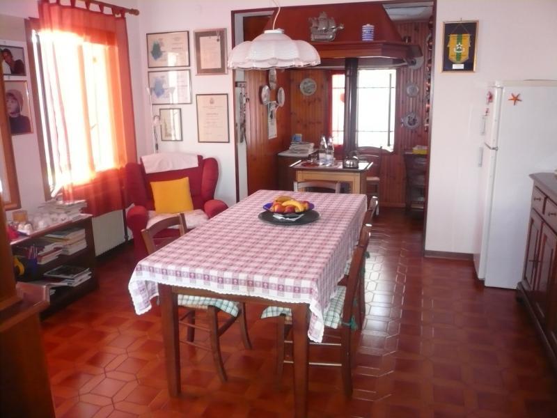 Villa in vendita a Roncade, 6 locali, zona Zona: Biancade, prezzo € 220.000 | Cambio Casa.it