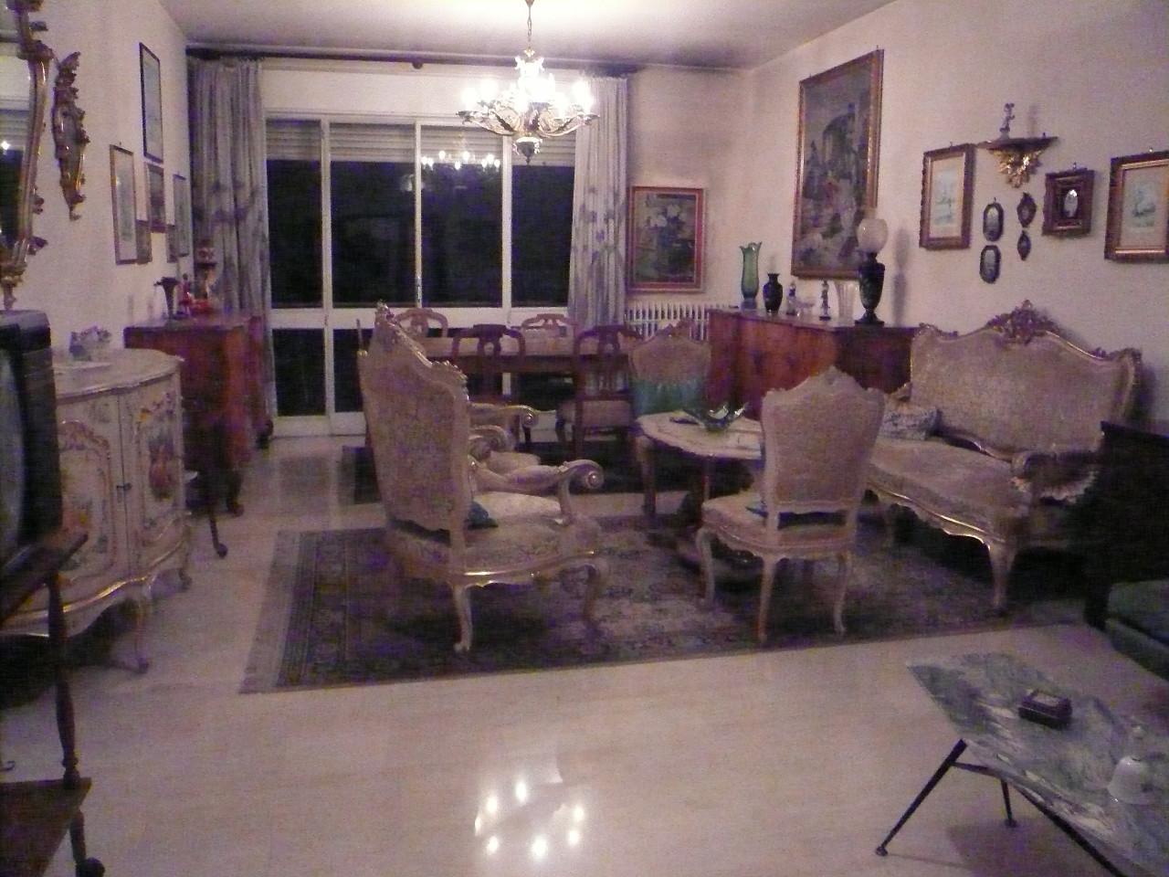Appartamento in vendita a Silea, 6 locali, prezzo € 87.000 | Cambio Casa.it