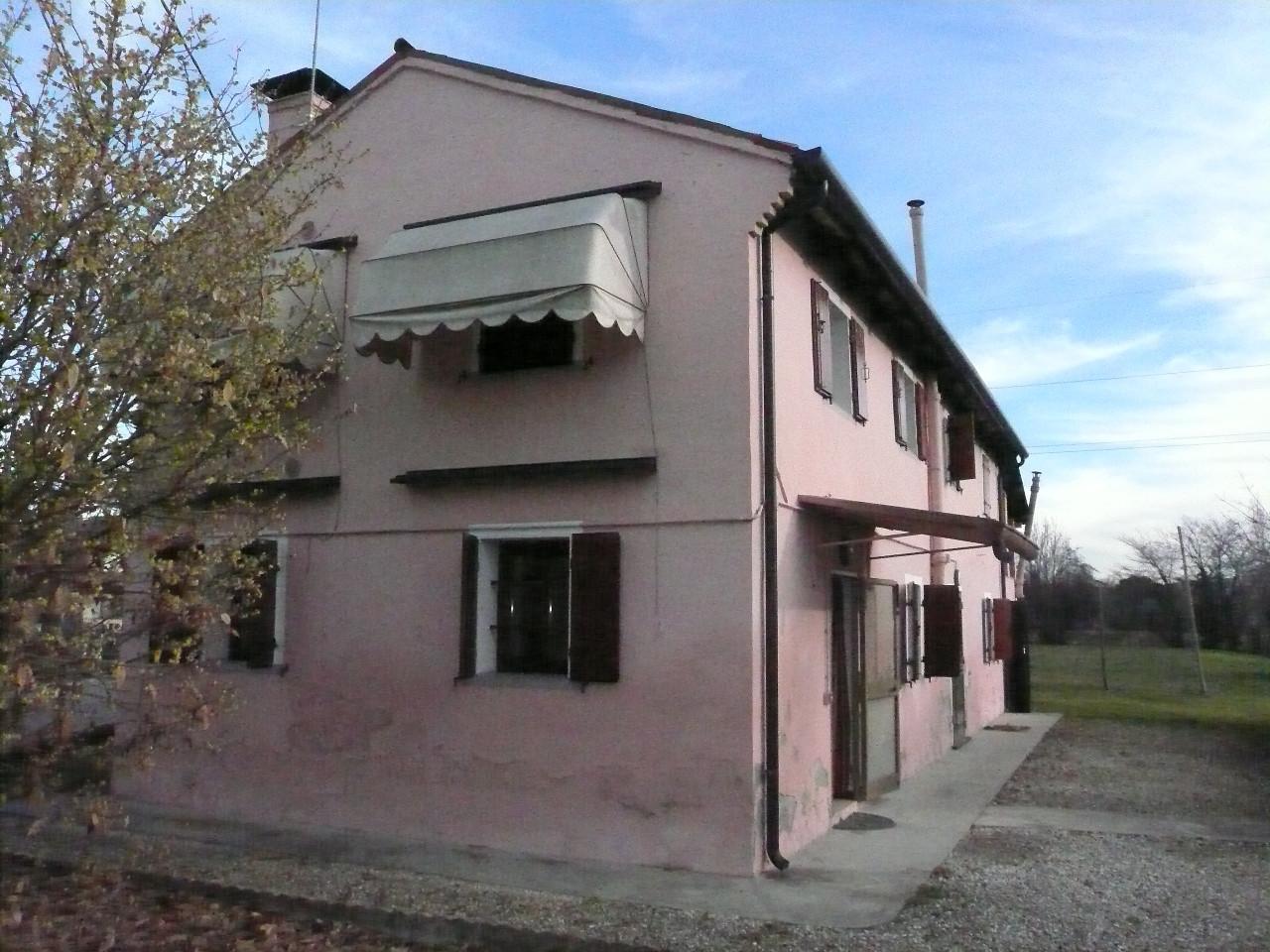 Villa in vendita a Carbonera, 10 locali, zona Località: Centro, prezzo € 145.000 | Cambio Casa.it