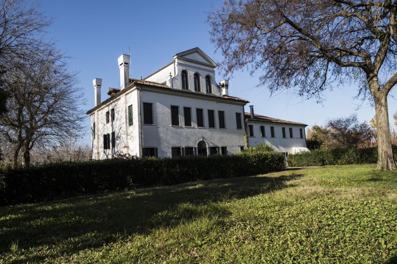Villa a Schiera in affitto a Silea, 12 locali, zona Zona: Cendon, prezzo € 2.500 | CambioCasa.it