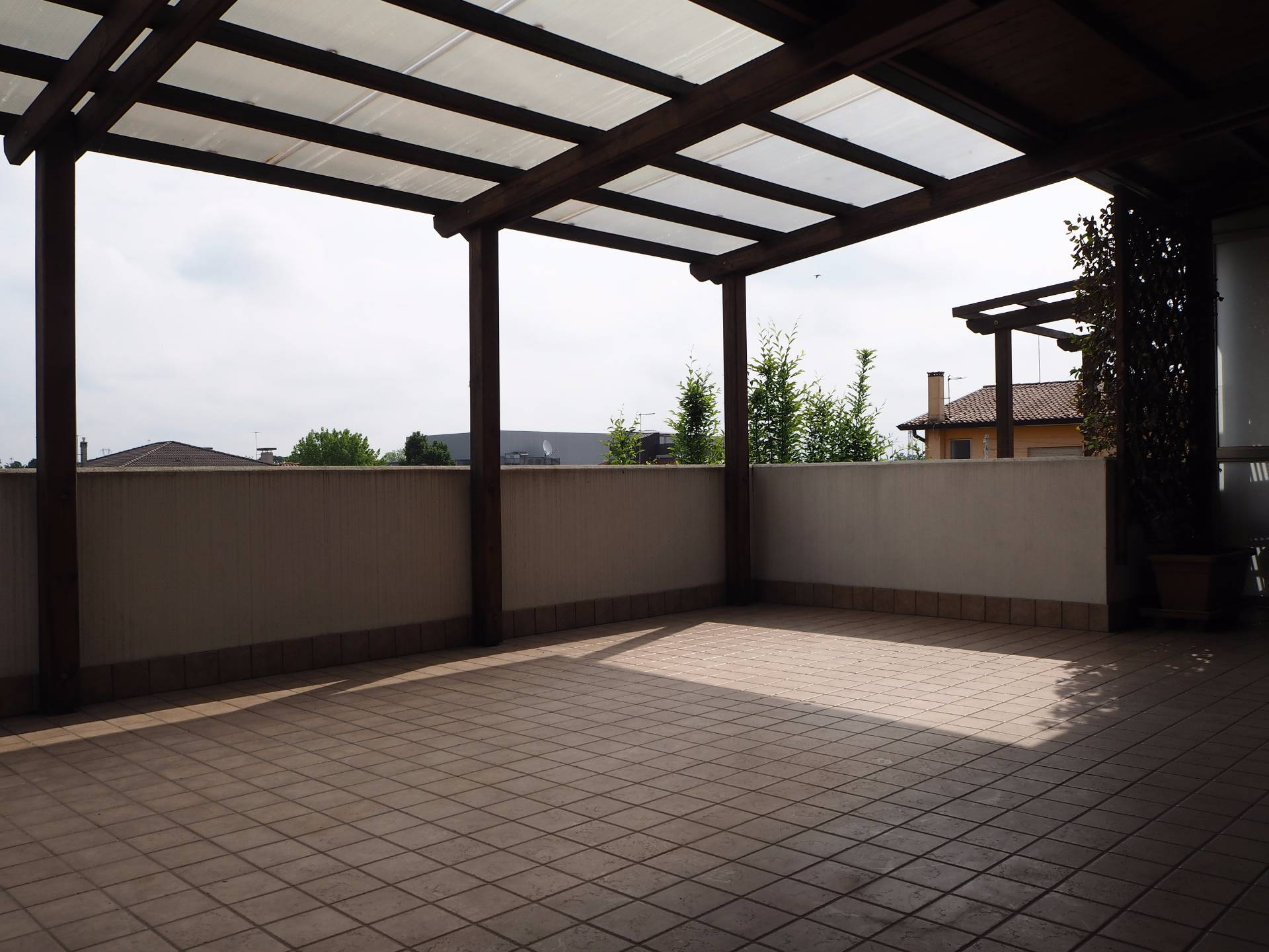 Appartamento in vendita a Paese, 5 locali, zona Località: Centro, prezzo € 250.000 | Cambio Casa.it